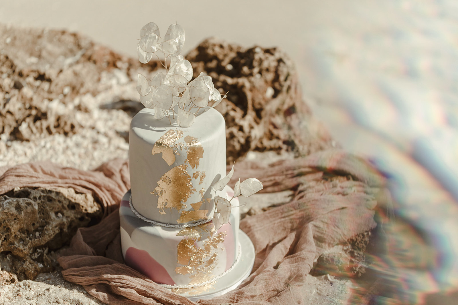 Celestial wedding inspiration_ beach elopement style-51