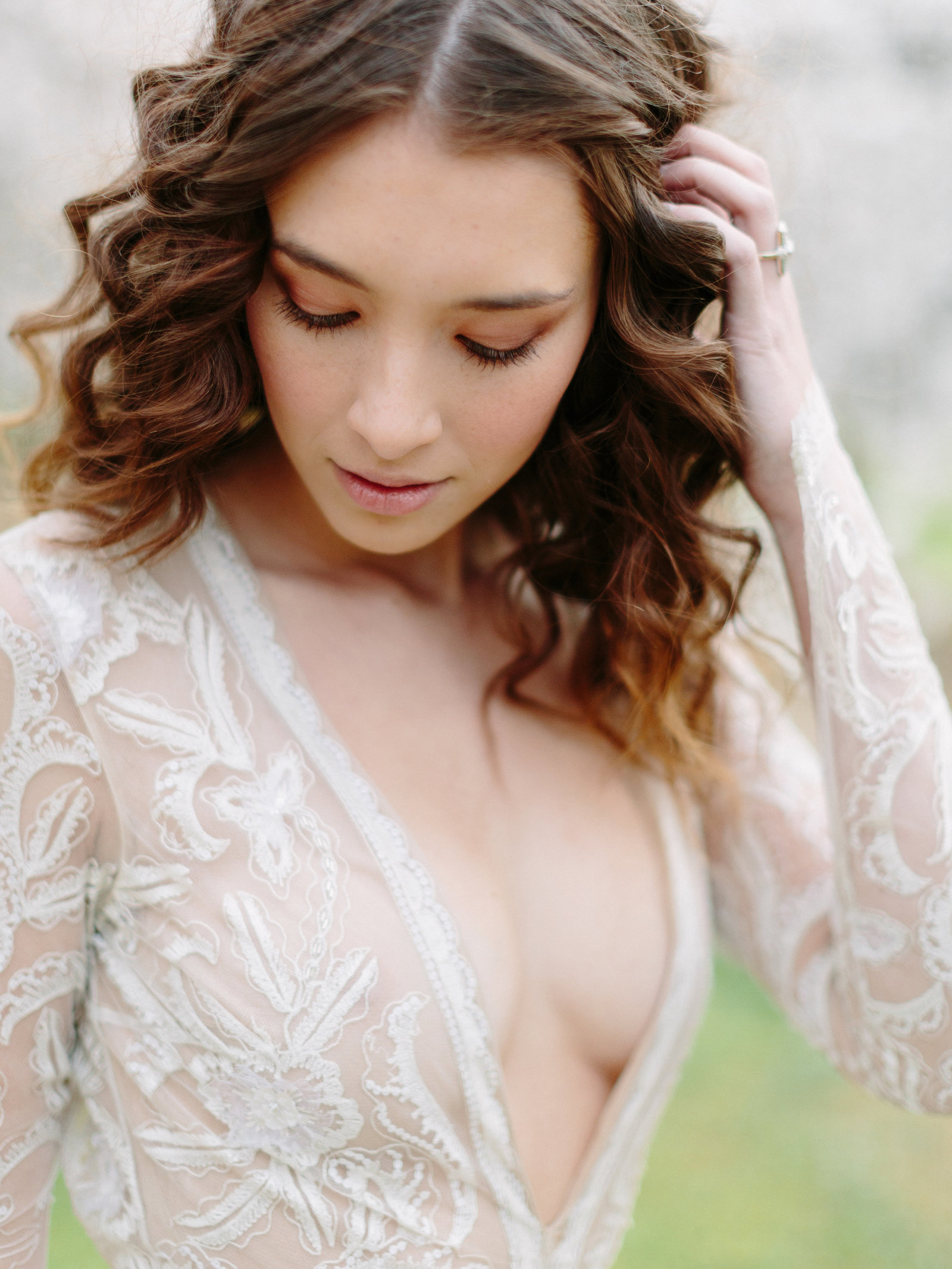 013-larissa-cleveland-editorial-fashion-wedding_photographer-san-francisco-carmel-napa-california-LCphoto-orchard-finals-039