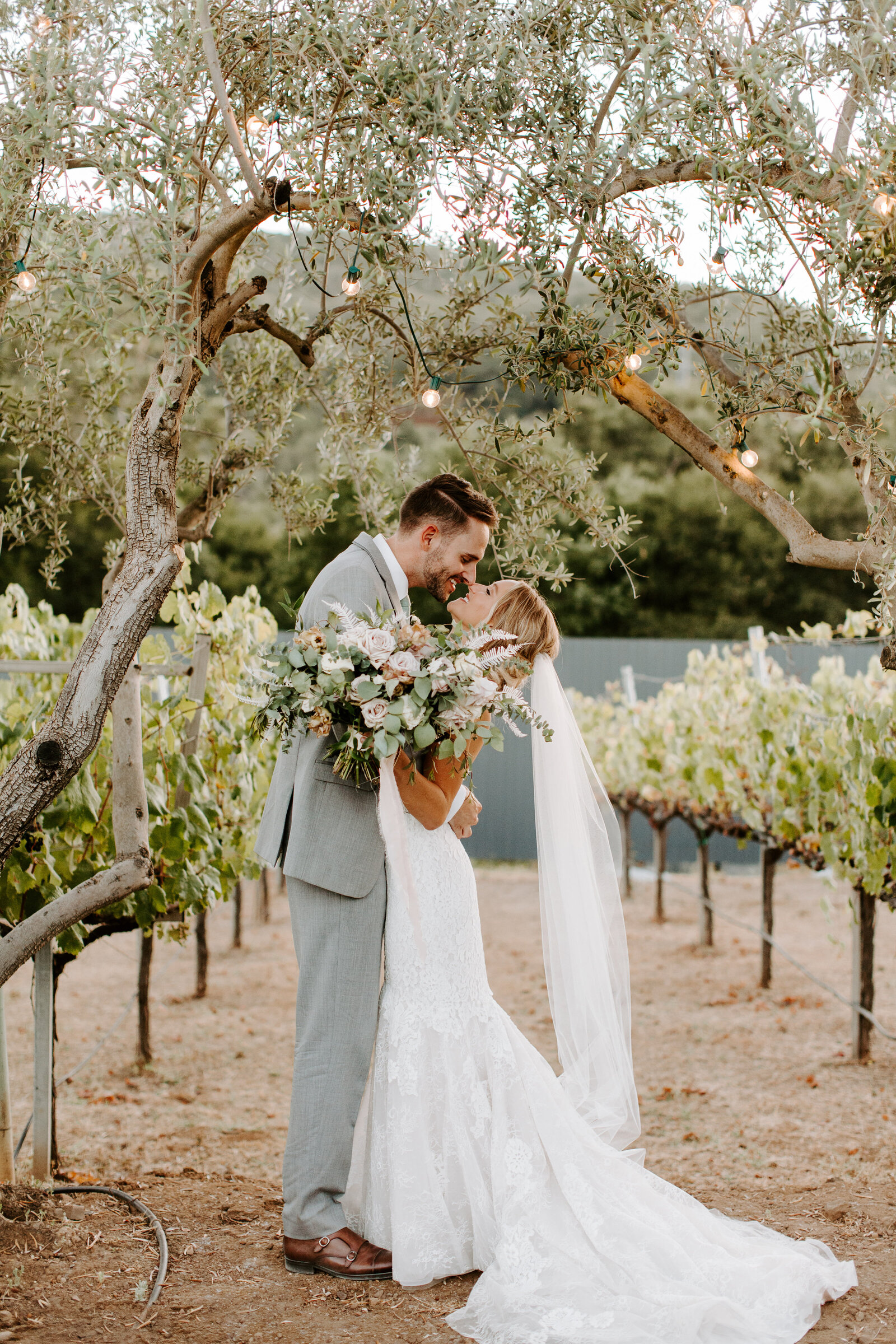 Megan-Ryan_Sycamore-Creek-Vineyards_Hannah-Berglund-Photography-829