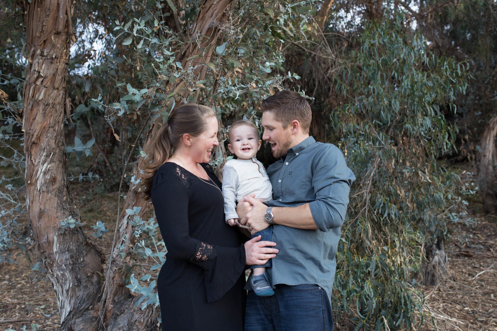 Seal-beach-family-gum-grove-park-photos-by-kelly-h-photo