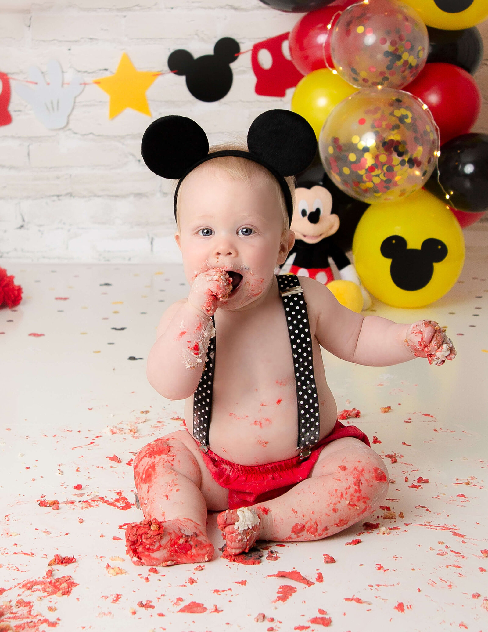 Mickey cake smash at our in-home studio in Greece, Ny.