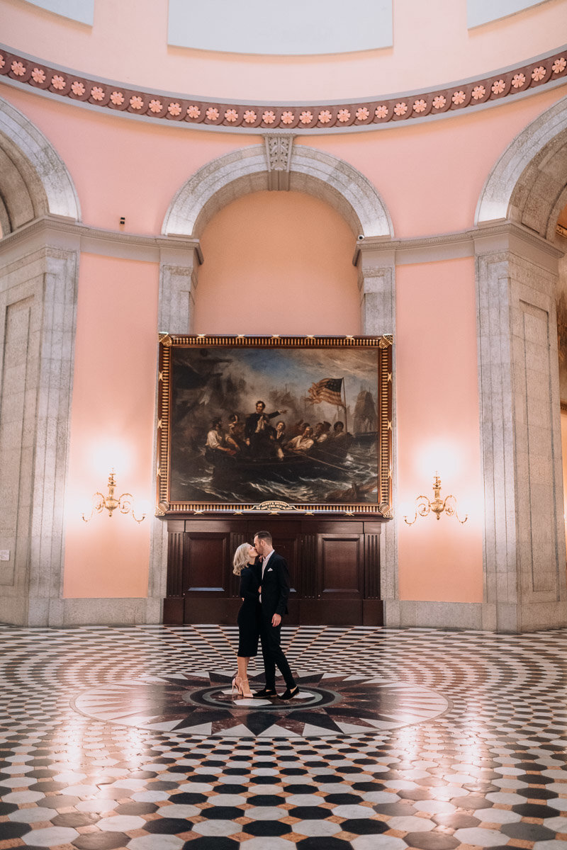 maggie-andrew-columbus-ohio-statehouse-engagement-photography-fall-german-village-7