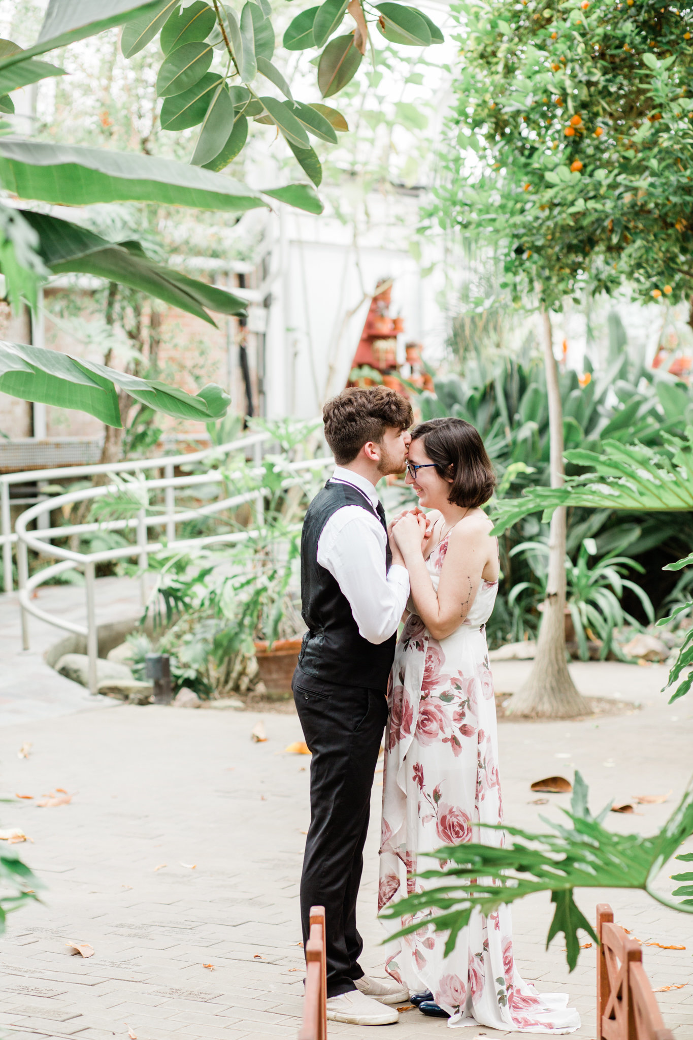 Cassidy-Sam-Potawatomi-Conservatory-South-Bend-Indiana-Engagement-Session_0014