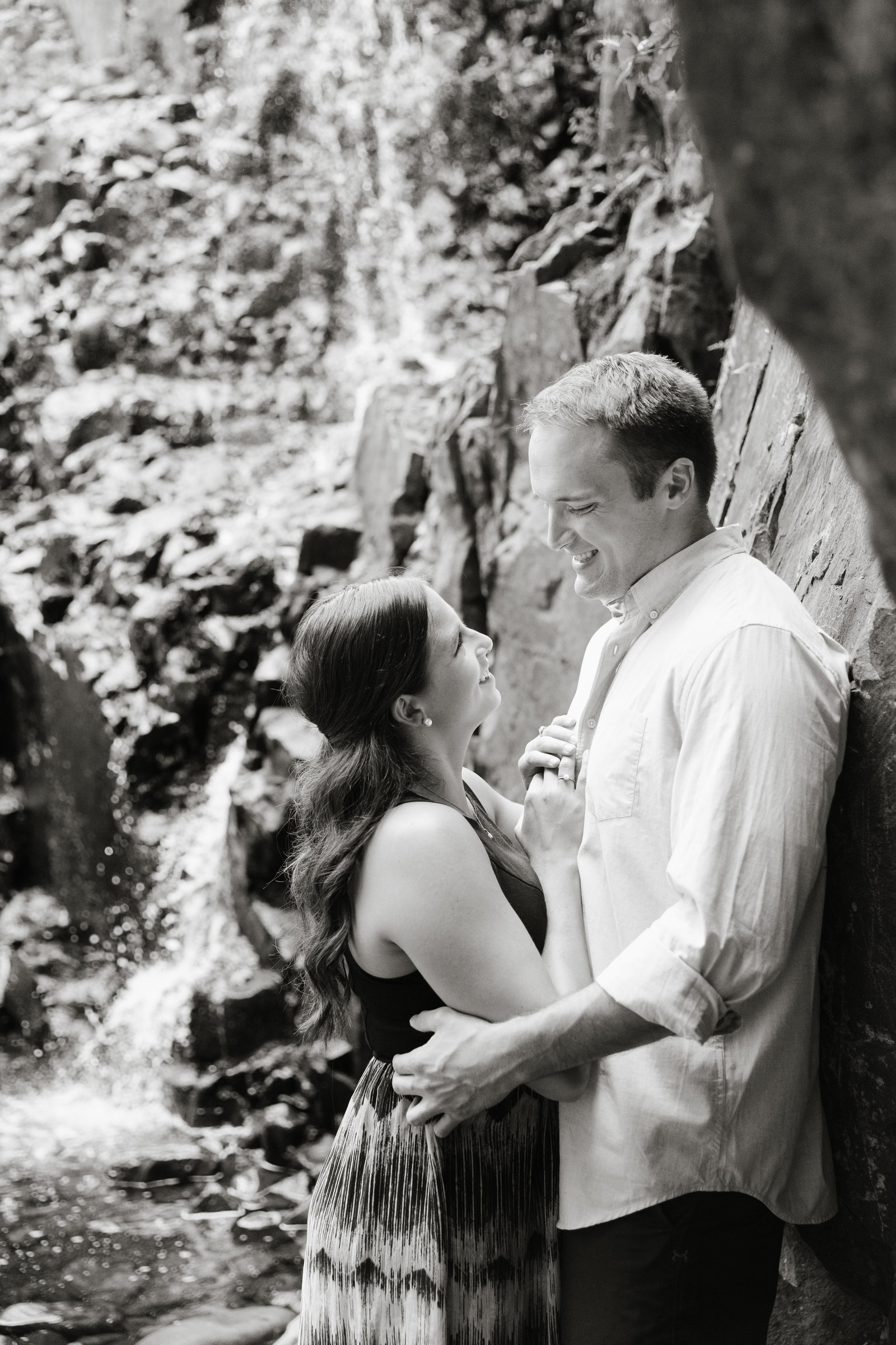 adventurous-summer-New-Jersey-hiking-Engagement-JDMP-1637