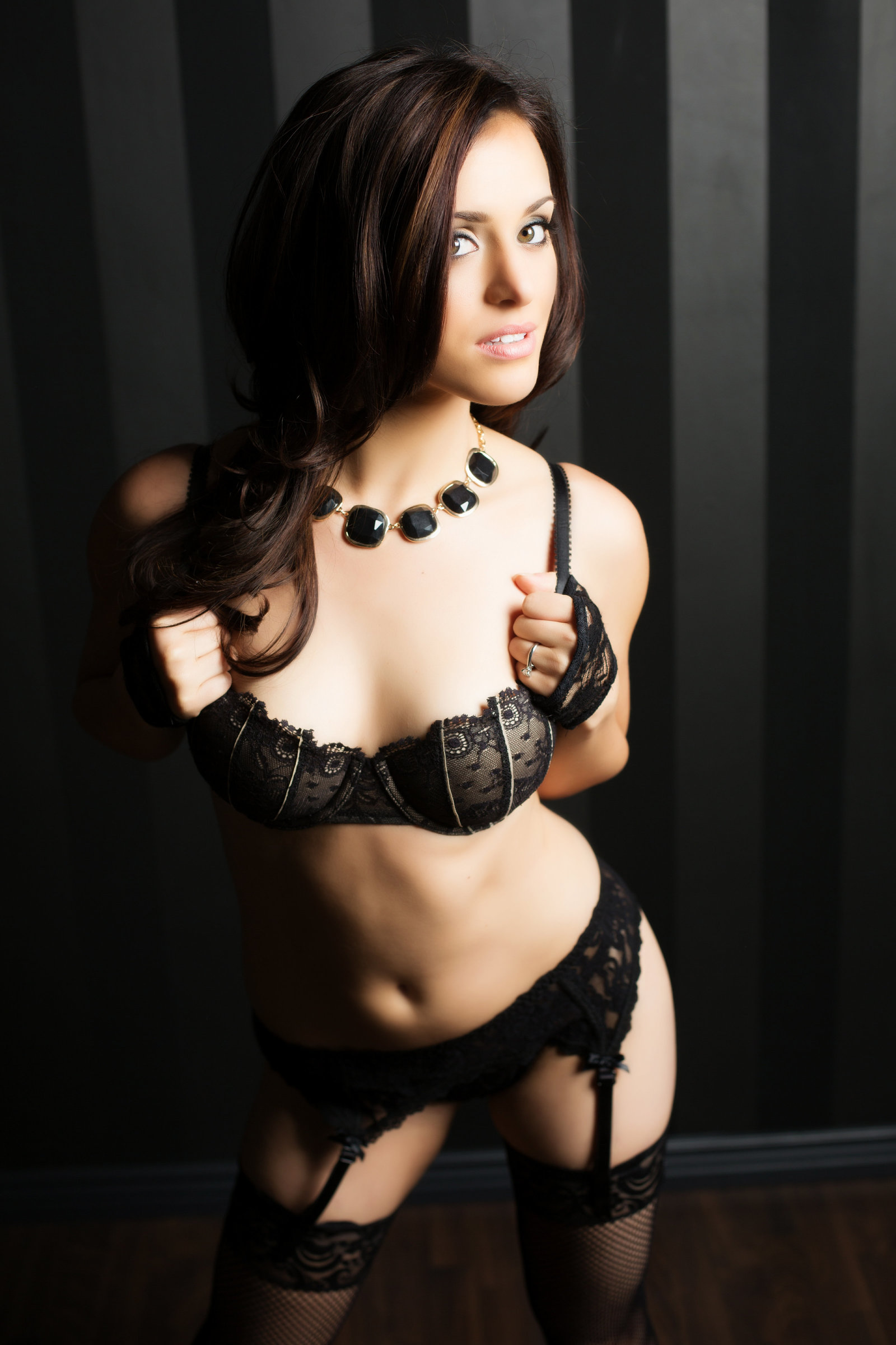 moody boudoir photo black lace, arizona boudoir