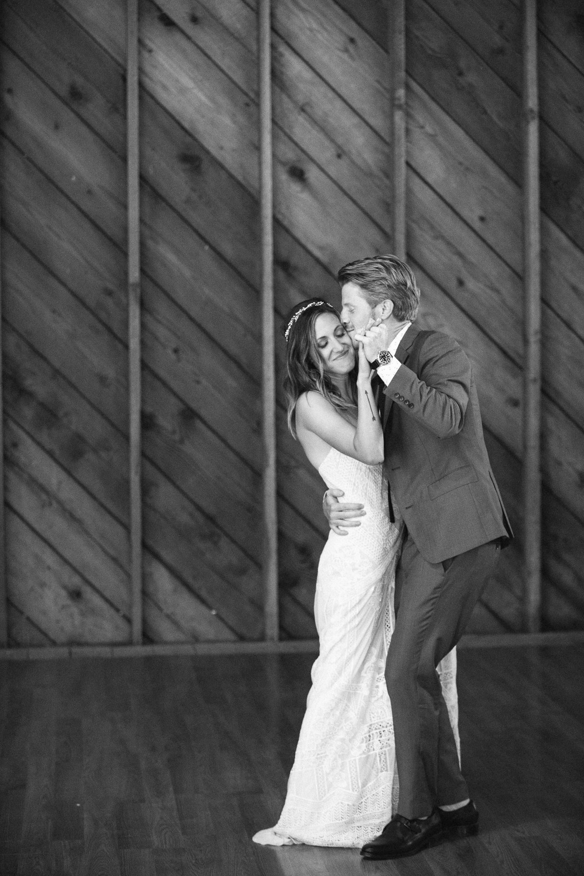 160-_MJ10090-crockett-farm-whidbey-island-wedding-michaela-joy-photography