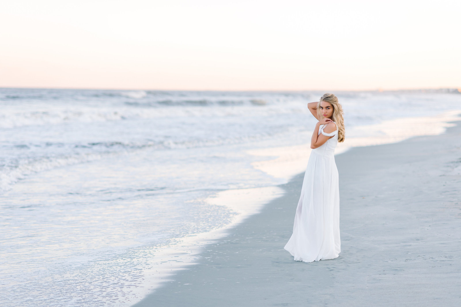 Senior girl on the beach - fashionable senior portraits in Myrtle Beach