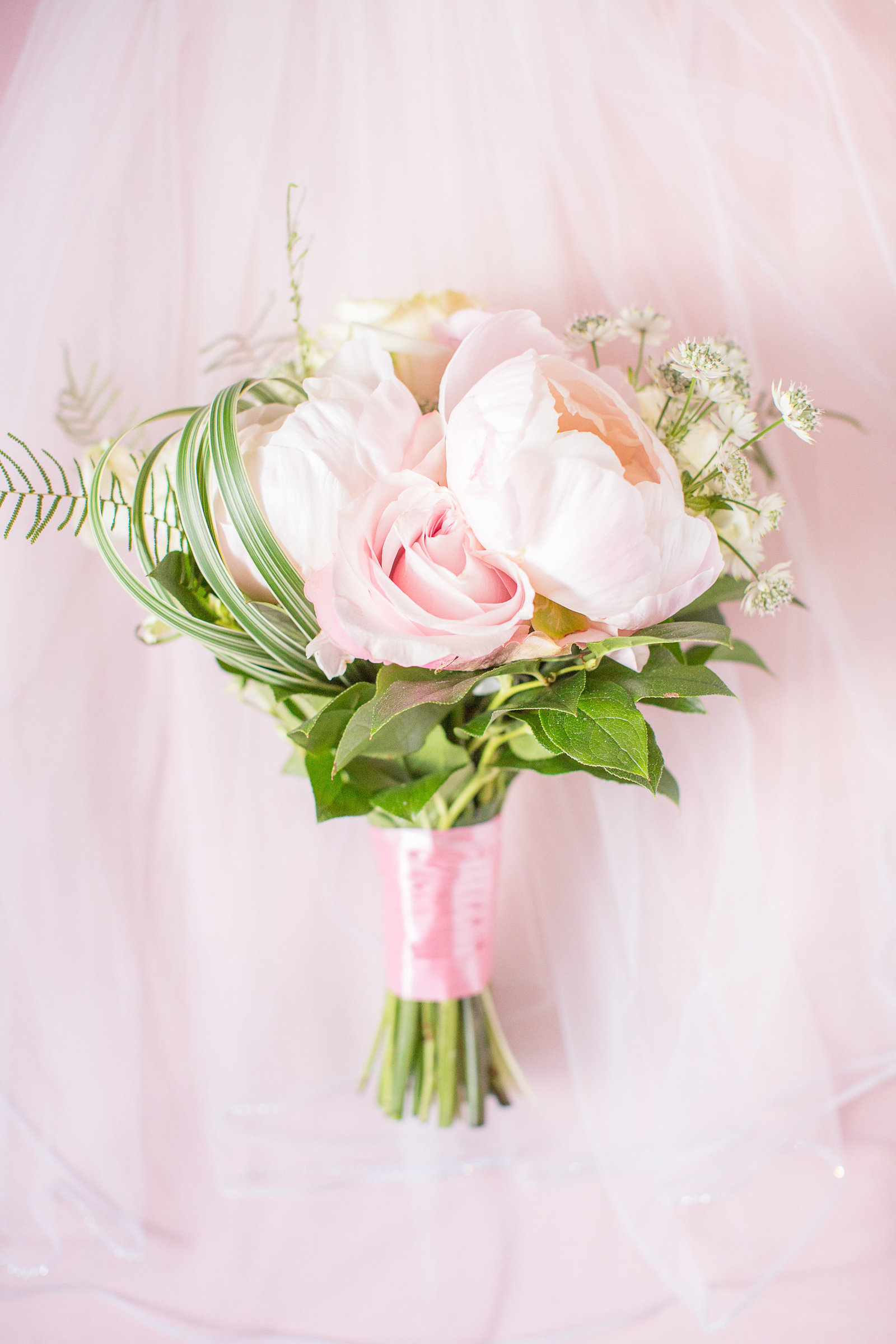 Romantic bouquet with pink florals