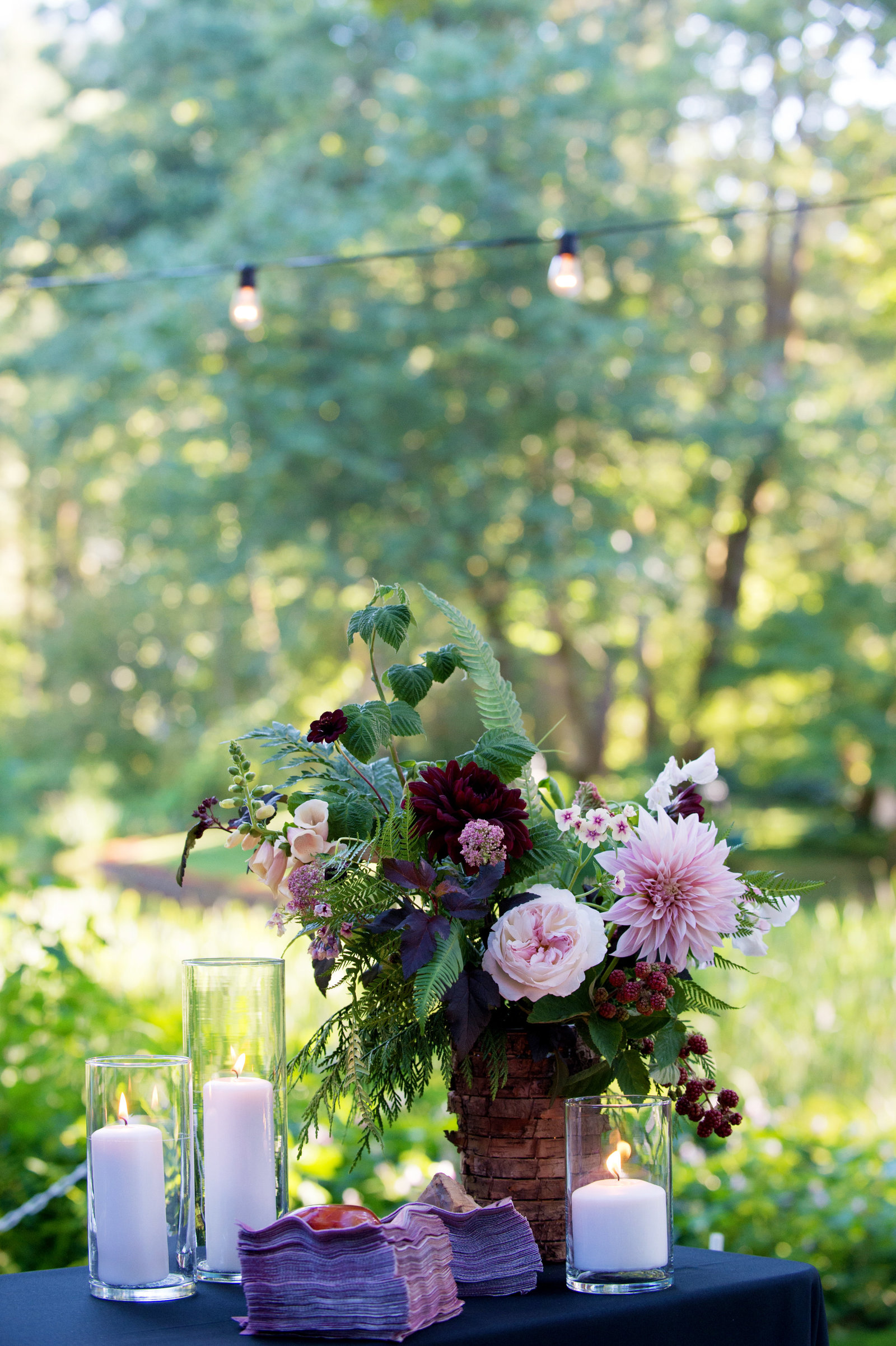 pink and burgundy floral bouquet