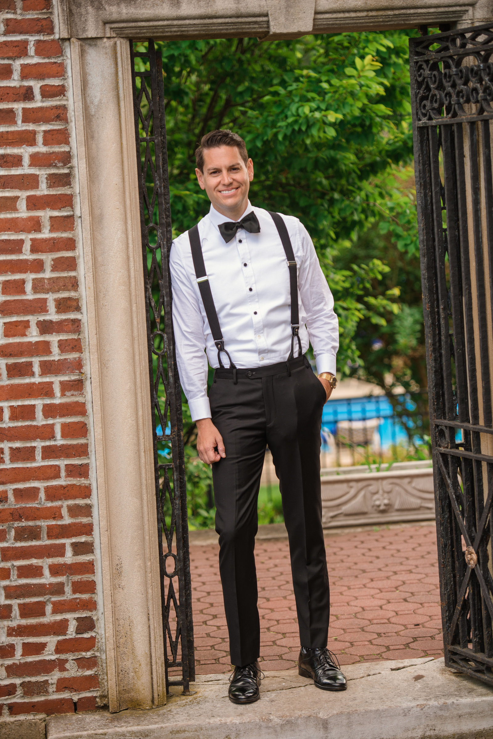 Groom at Glen Cove Mansion