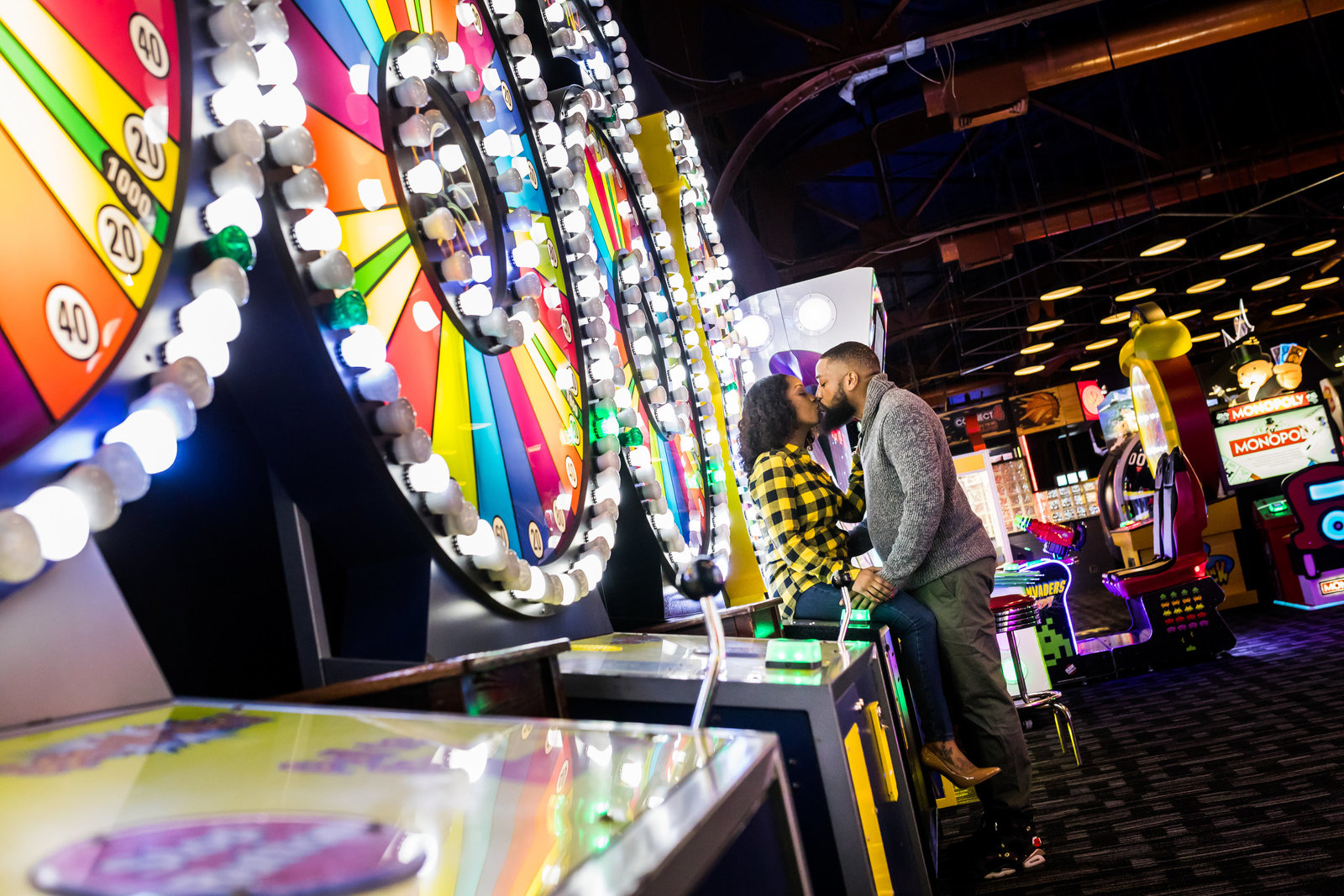 philadelphia-engagement-photo-race-pier-davebusters-002