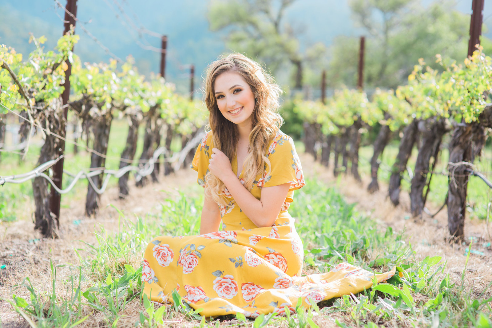 senior-girl-in-napa-vineyard