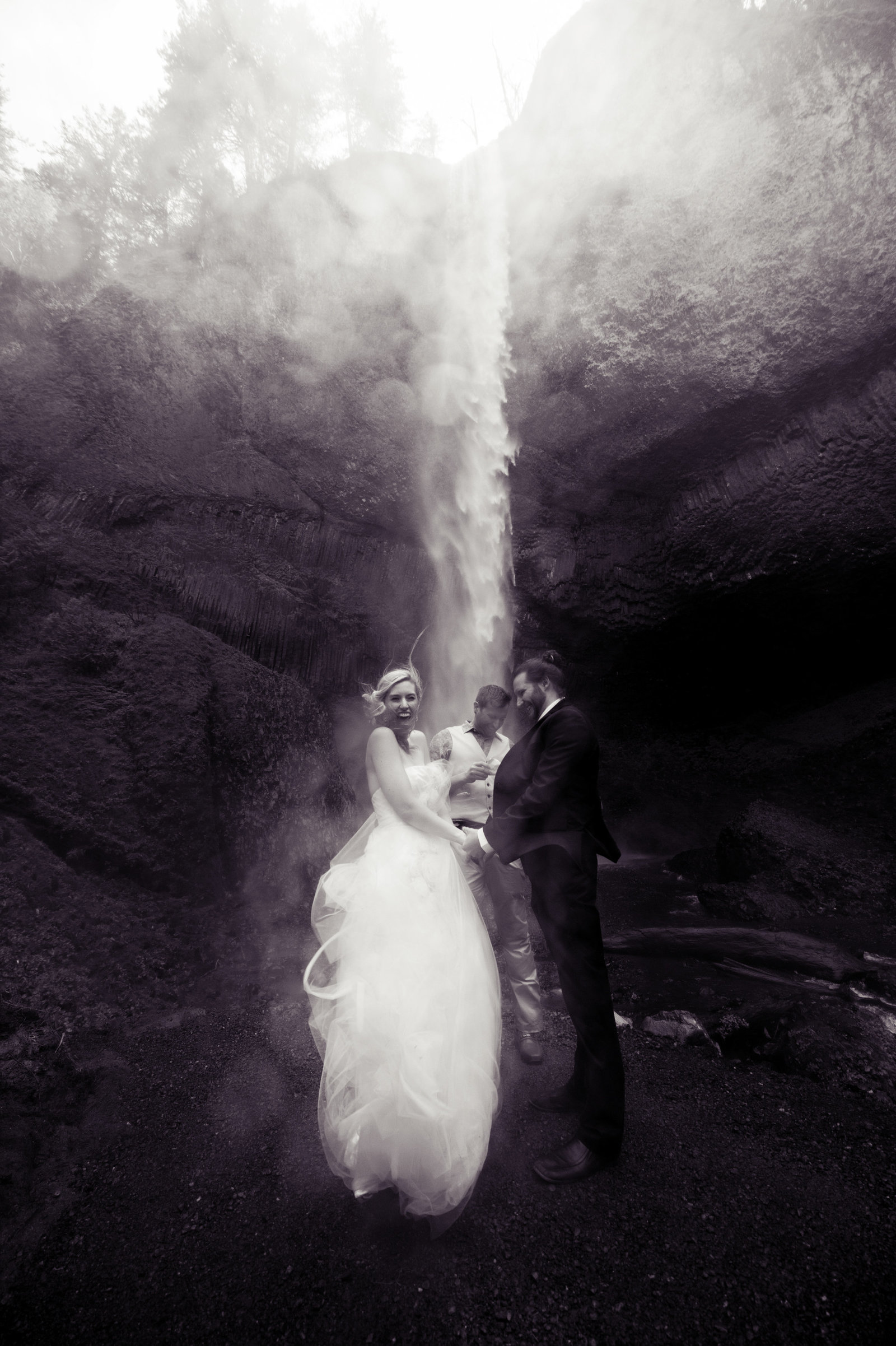 Crystal Genes Photography LATOURELL FALLS ELOPEMENT170421-143453