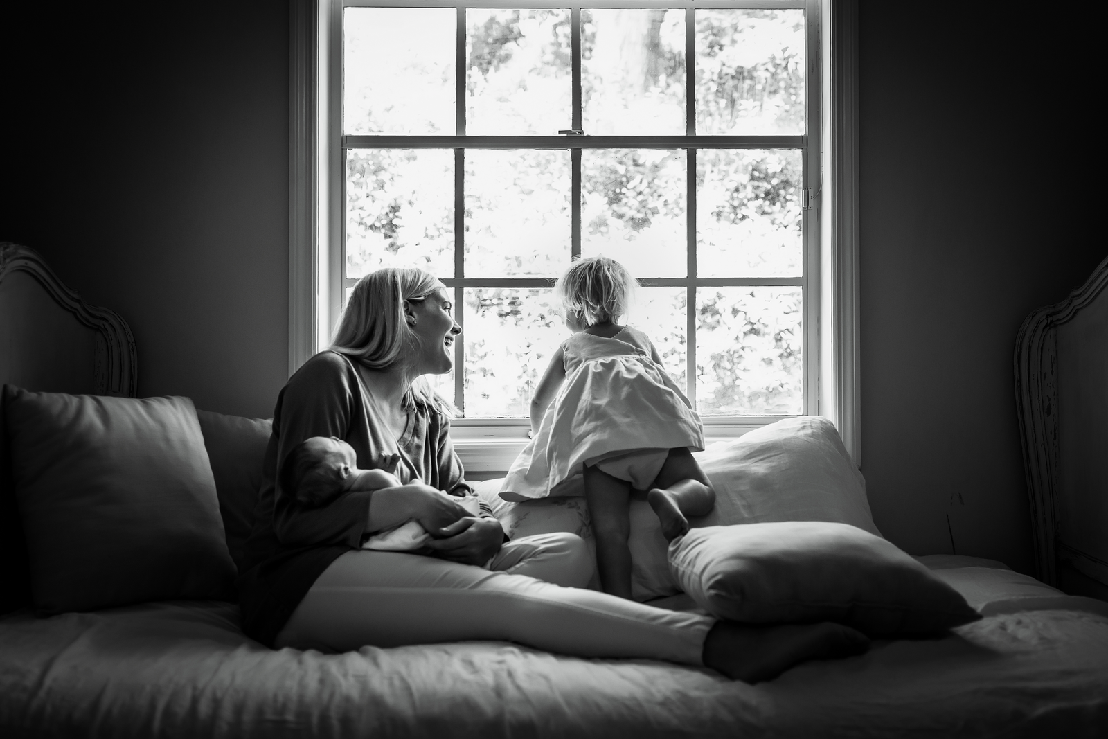 family photographer, columbus, ga, atlanta, documentary, photojournalism, toddler looking out window_9253