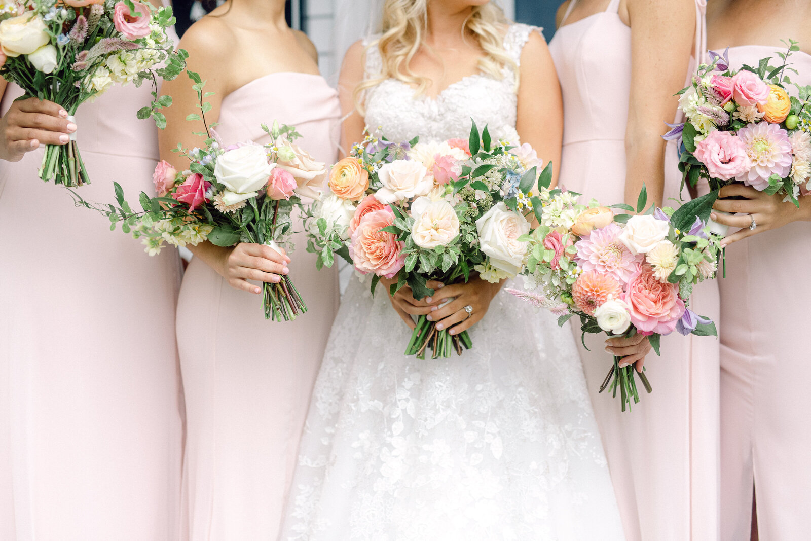 colorful_bridesmaids_bouquets_1