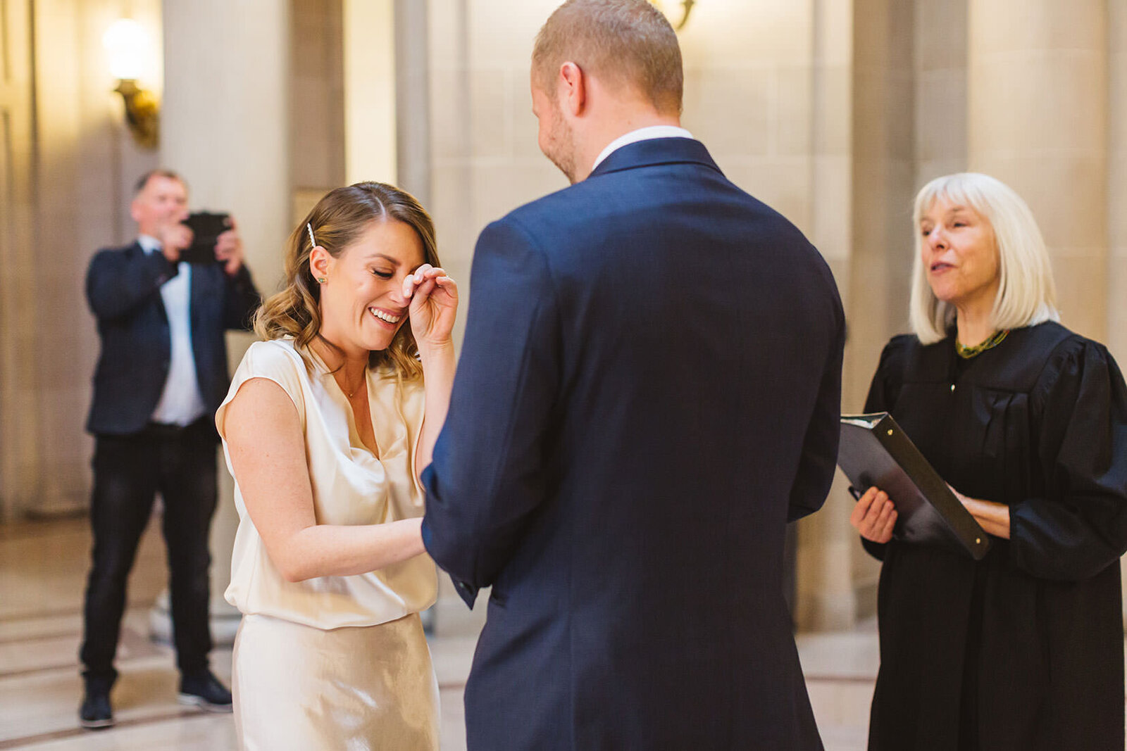 candid wedding photography for san francisco city hall weddings
