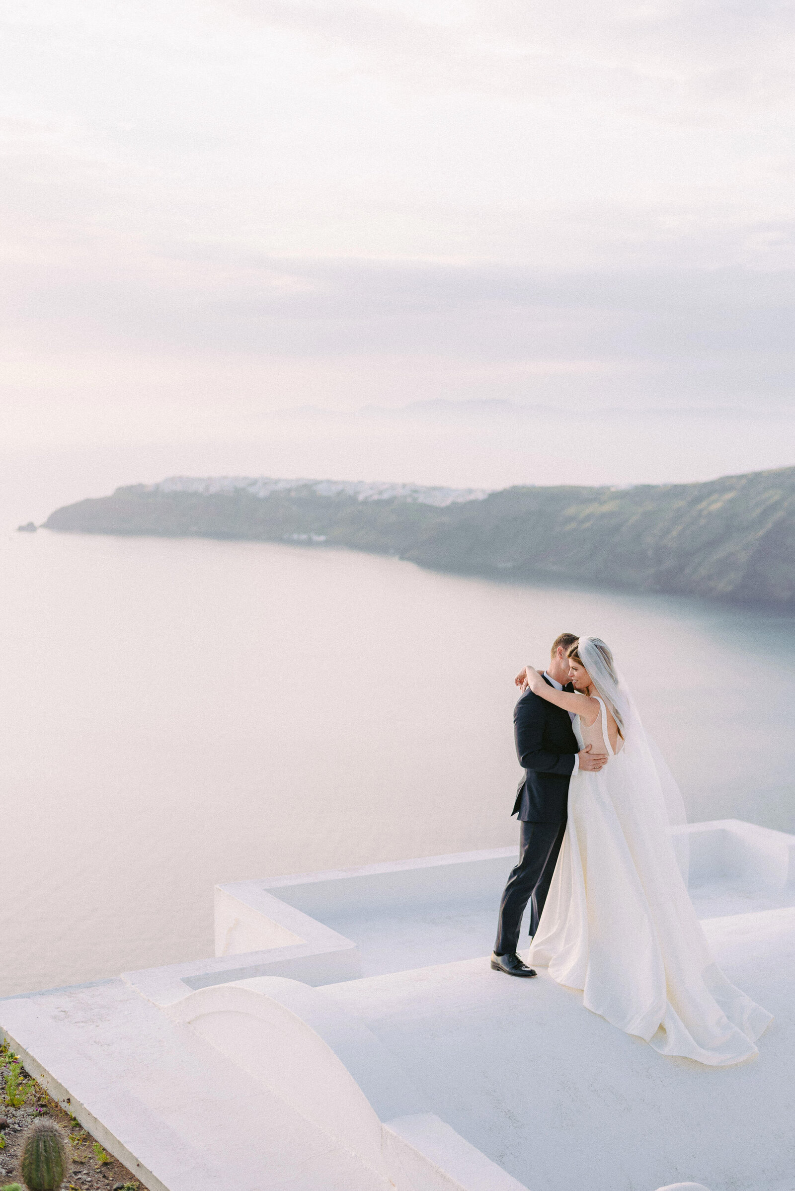 wedding in Santorini sunset