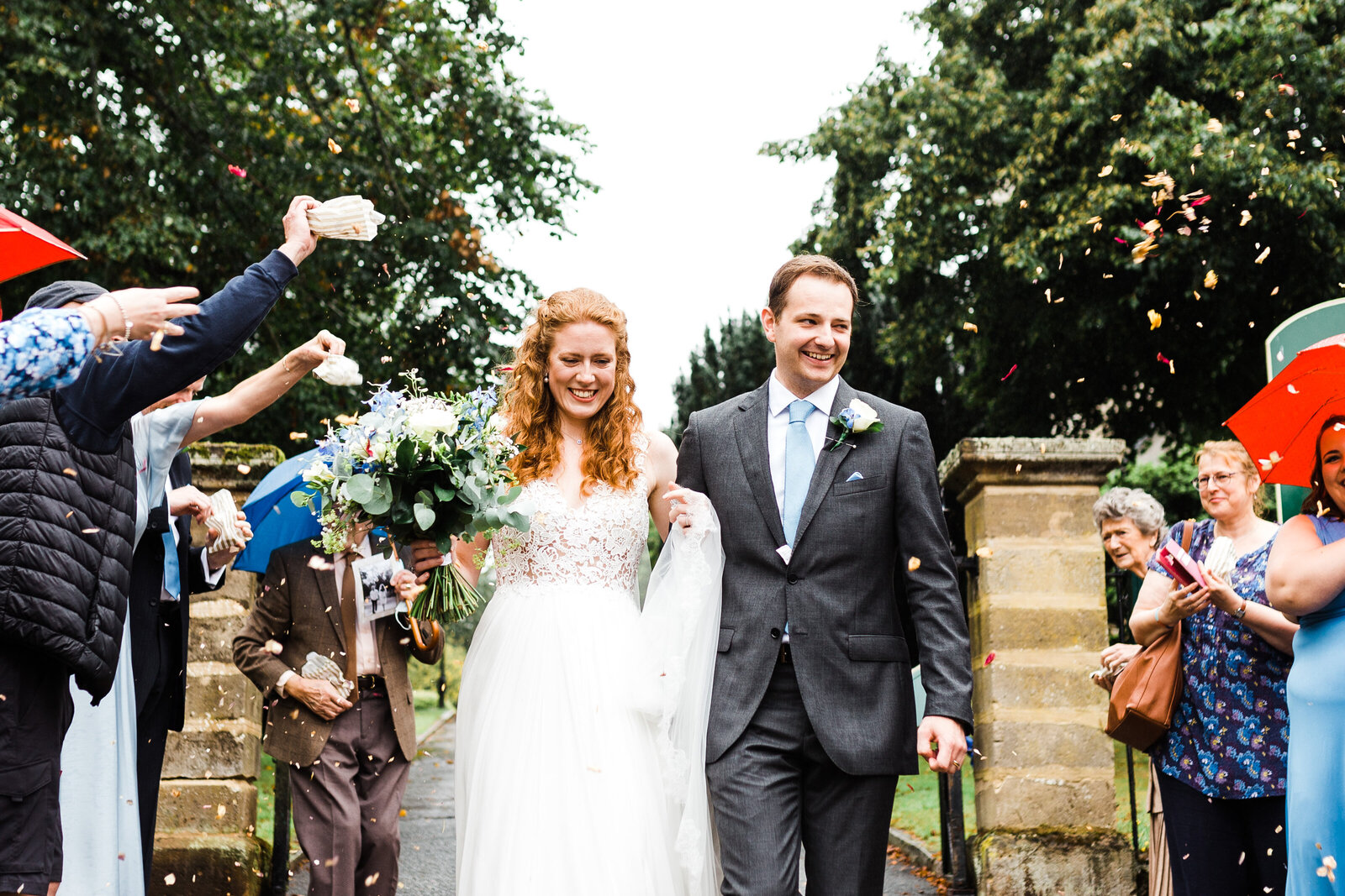 confetti-buckinghamshire-wedding-photographer