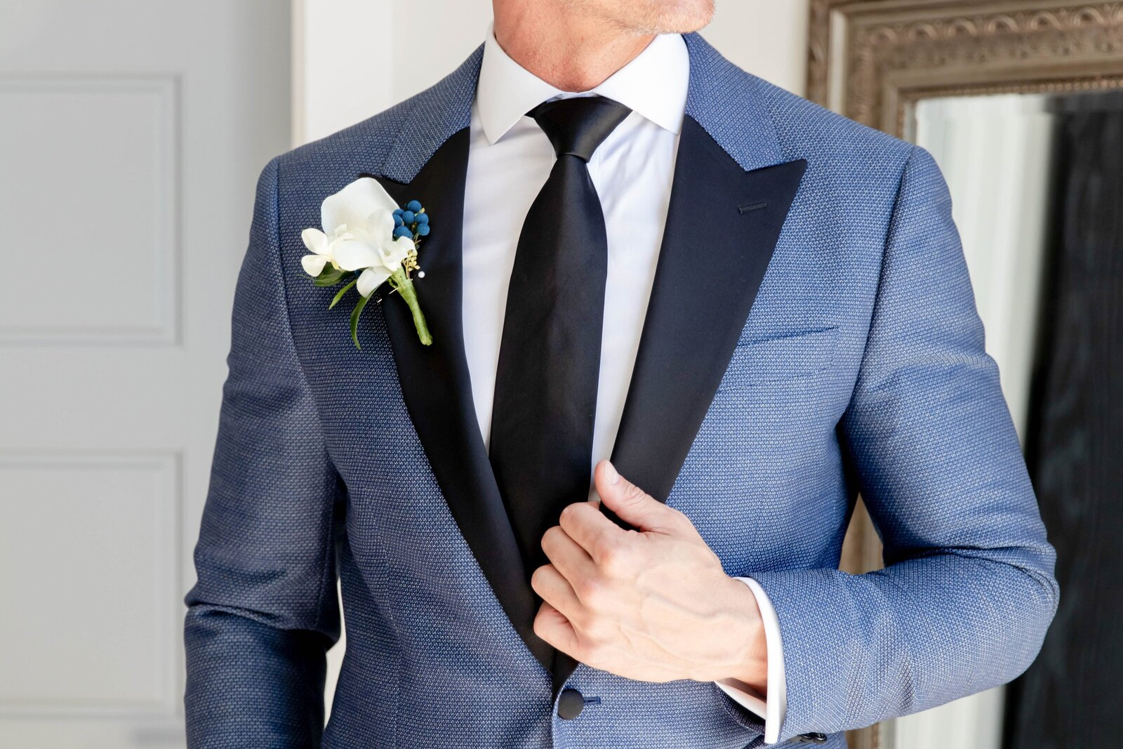 groom-blue-suite