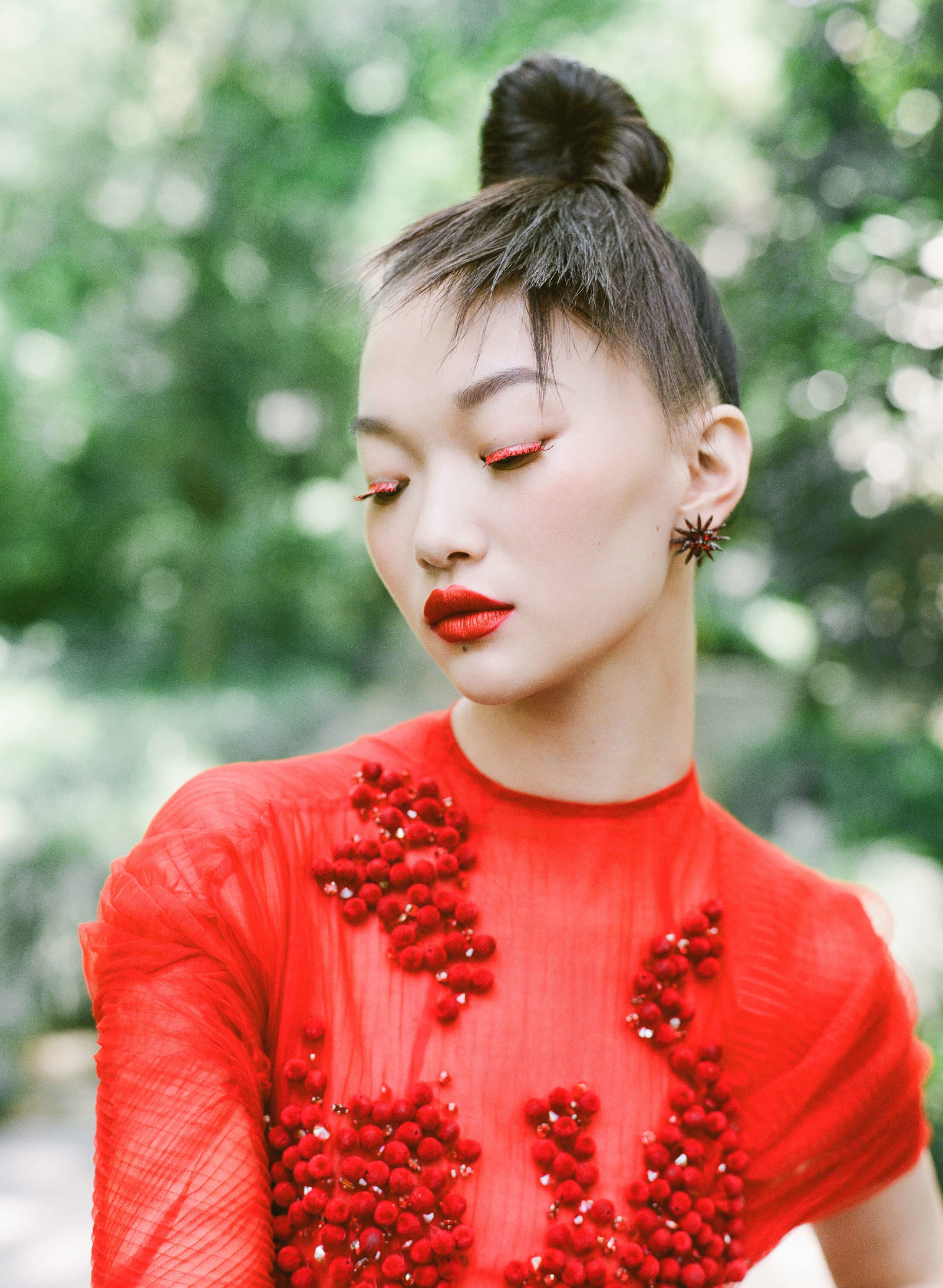 2-KTMerry-HarpersBazaar-PhuongMy-haute-couture-red