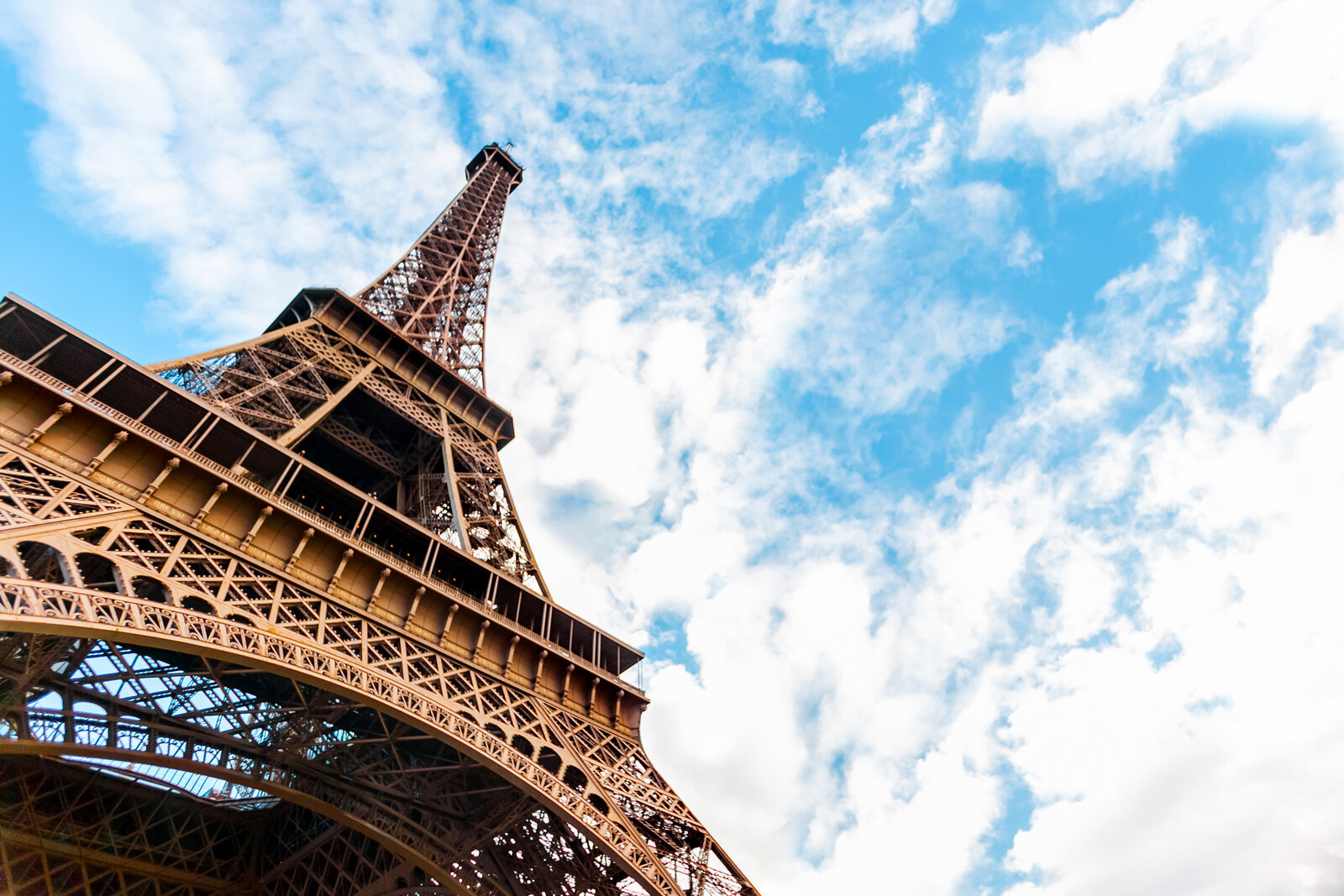 012-KBP-Eiffel-Tower-Blue-Sky