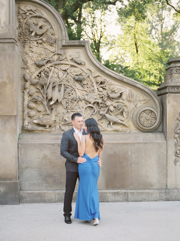 Stylish engagement session in Central Park NYC