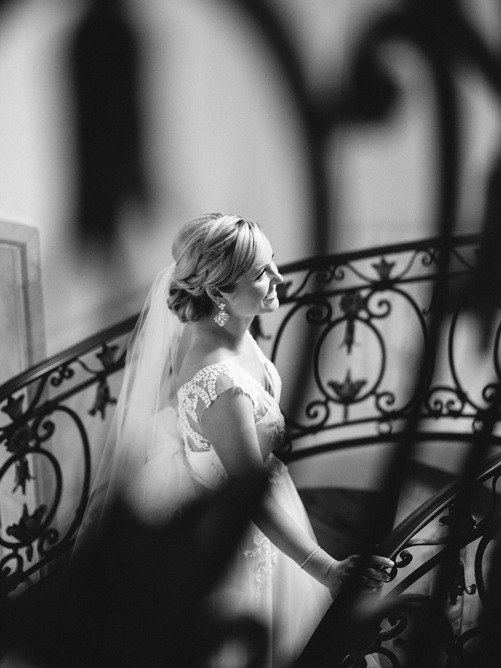 port-perry-wedding-photographer-estate-penryn-mansion-romantic-bride_0051