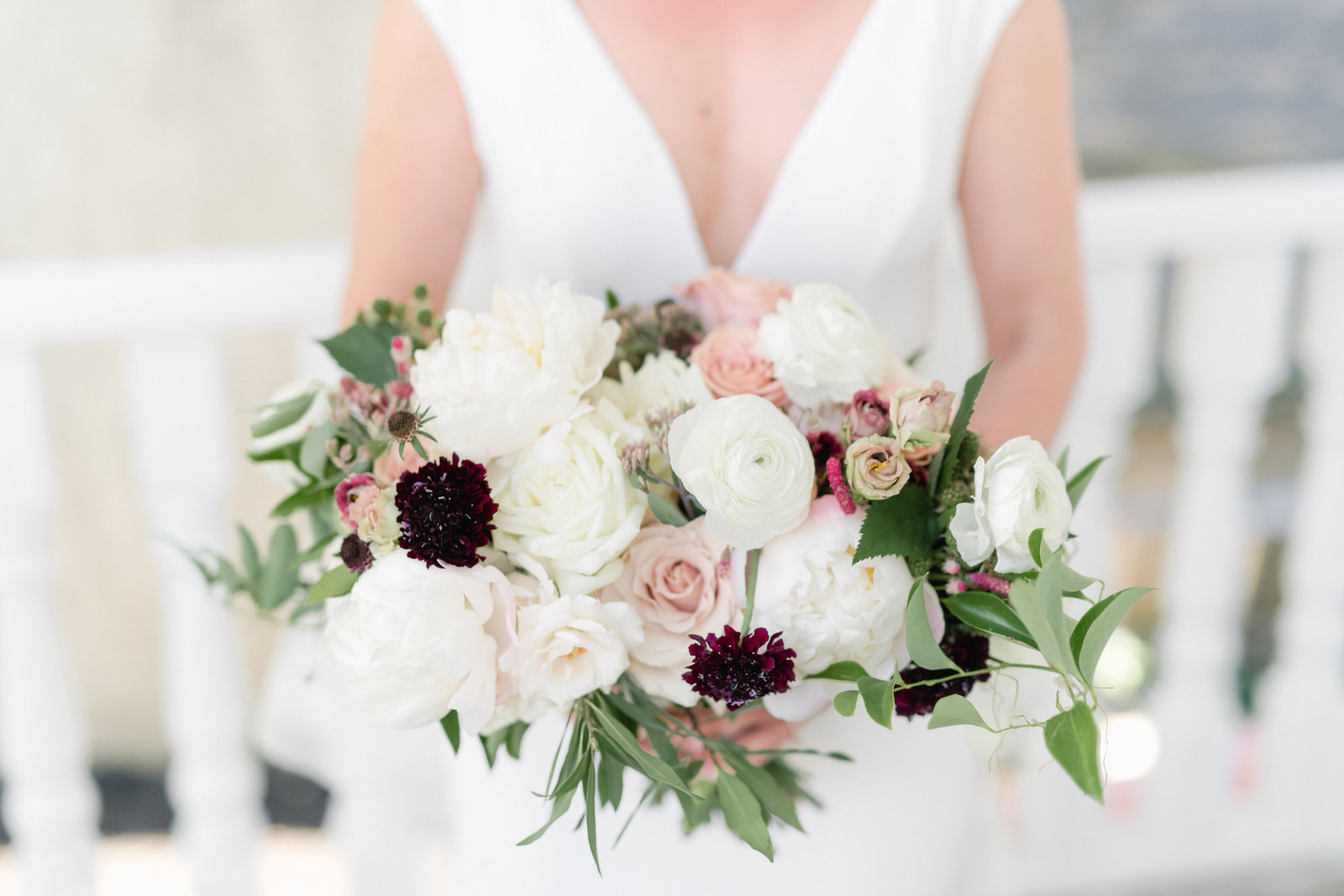 white blush berry tone bouquet_3