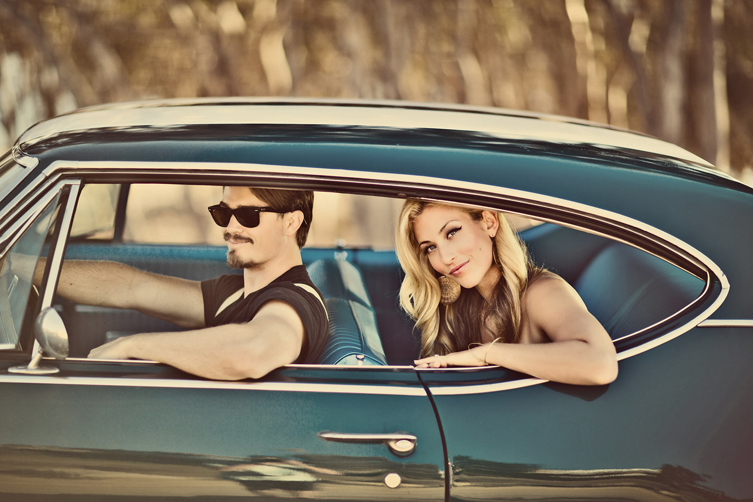 Sunset Cliffs engagement photos vintage car