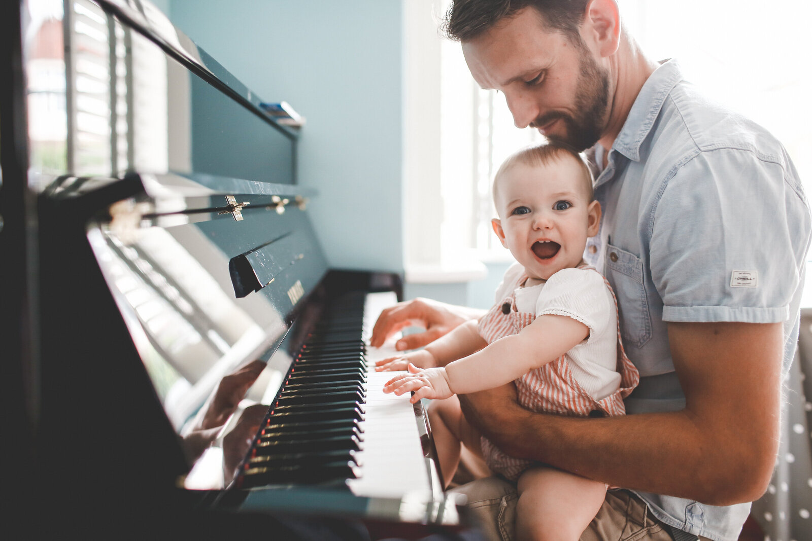 FP_FAMILY-BABY-PLAYS-PIANO-WITH-DAD-0023