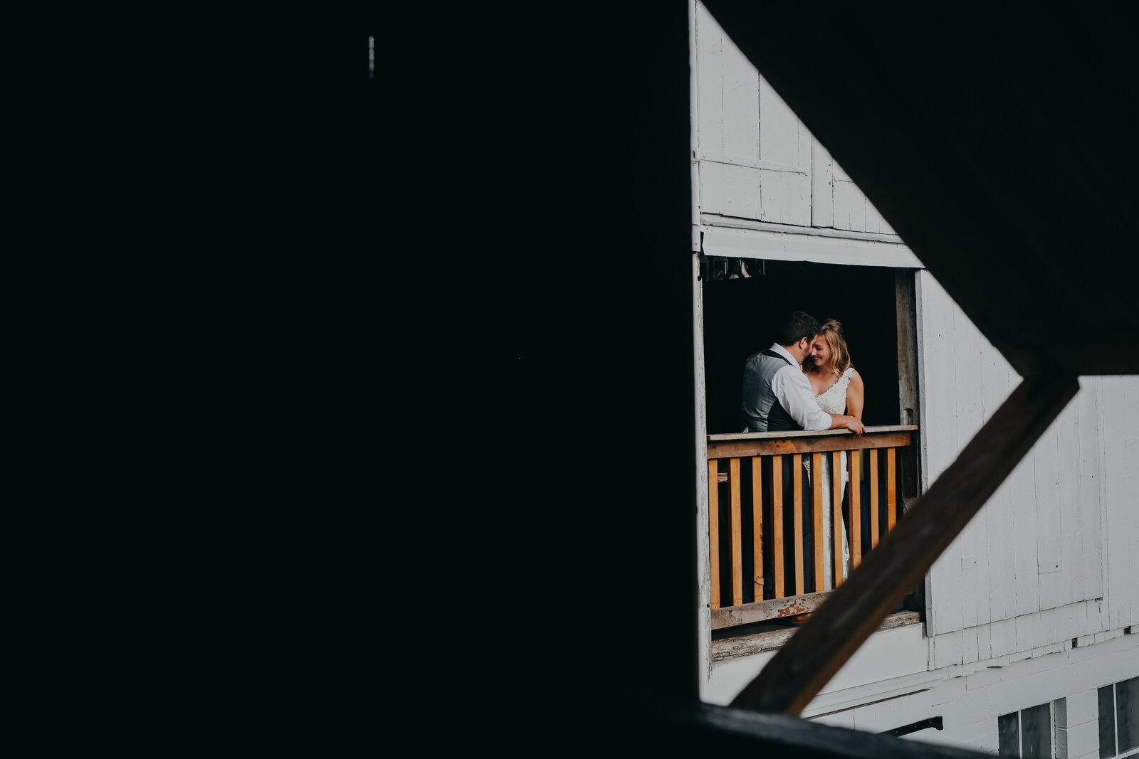 cambria_creative_Wedding_Stotzfus_homestead_photography