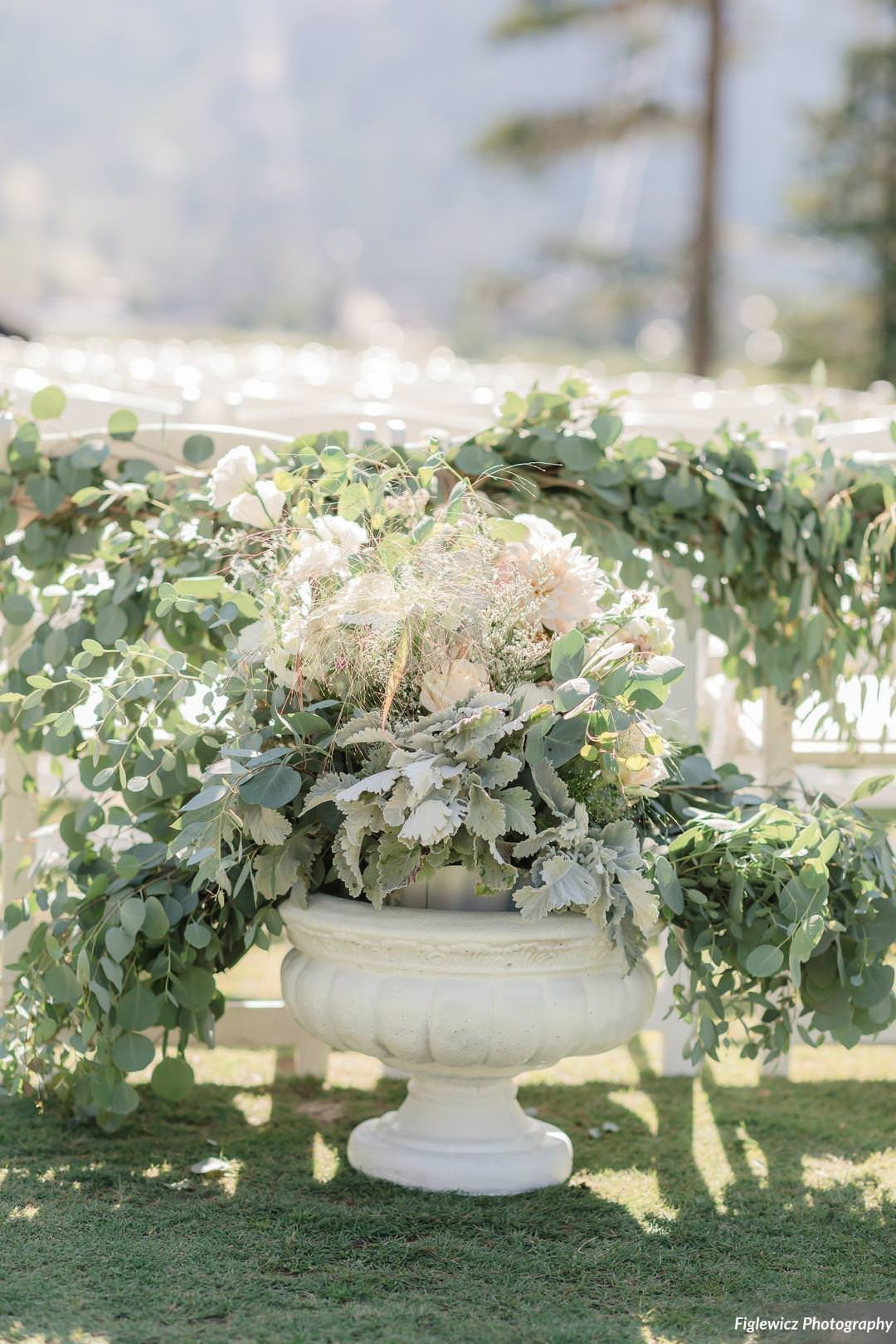 Garden_Tinsley_FiglewiczPhotography_LakeTahoeWeddingSquawValleyCreekTaylorBrendan00078_big