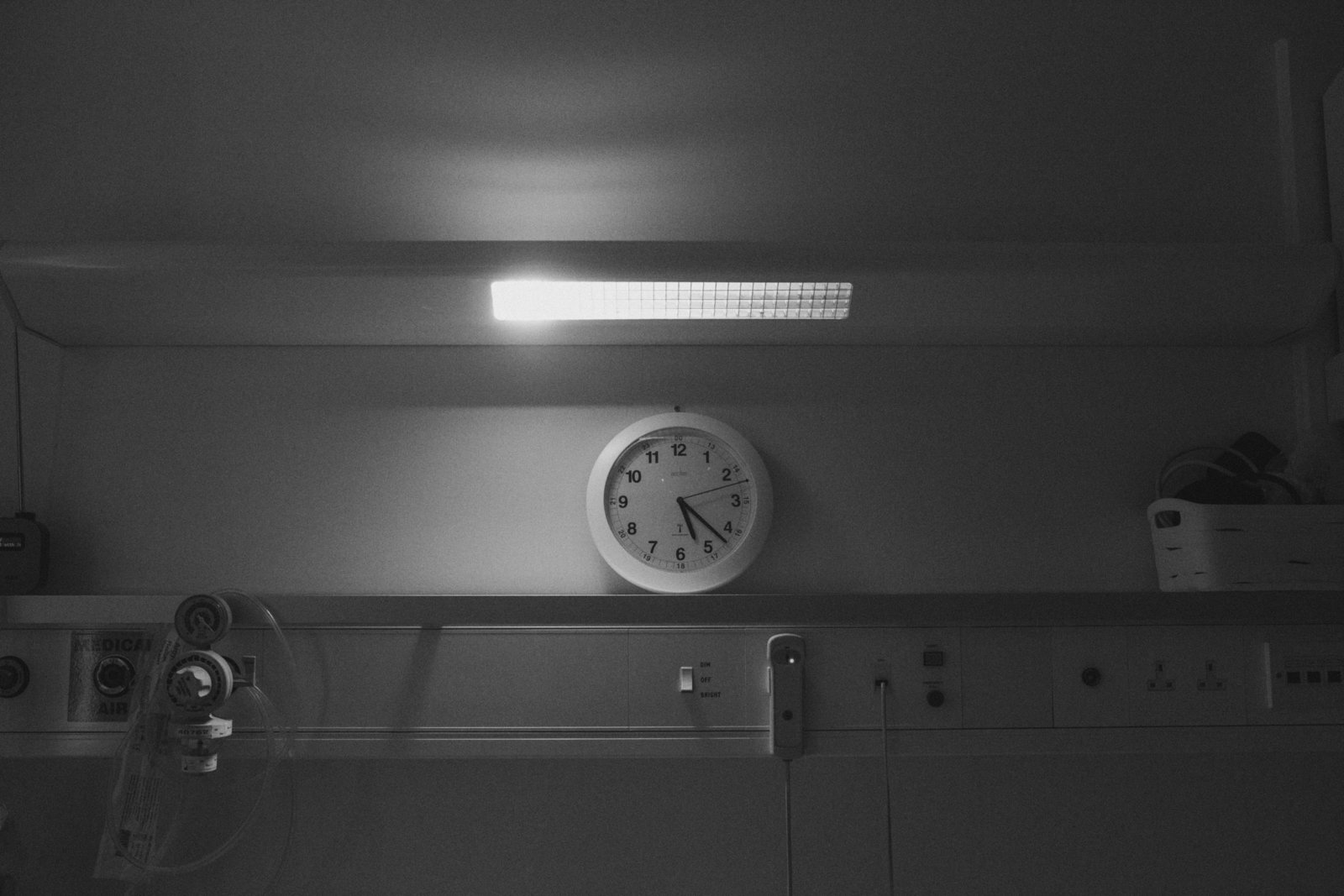 Black and white time of birth clock photo in Ipswich Hospital