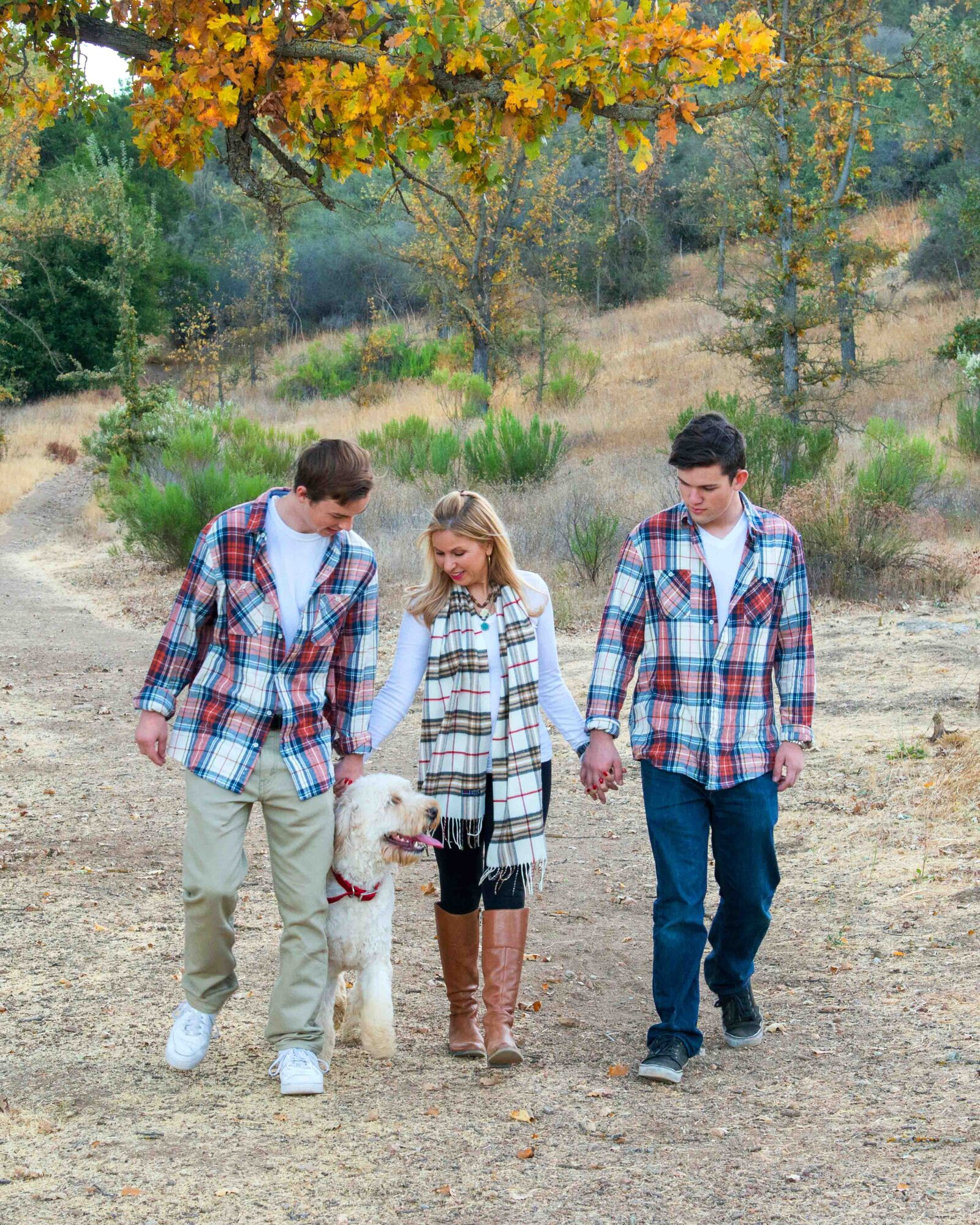 Maria-McCarthy-Photography-family-holiday-portrait-plaid