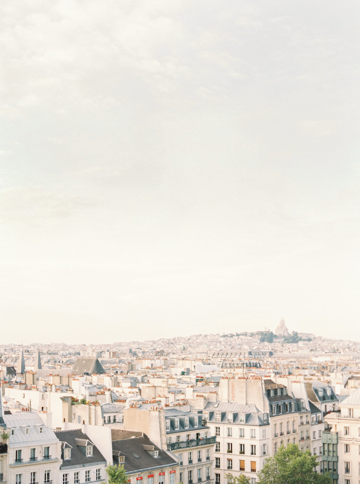 Paris-Wedding-Photographer-Film-Photographer-France-Molly-Carr-Photography-25