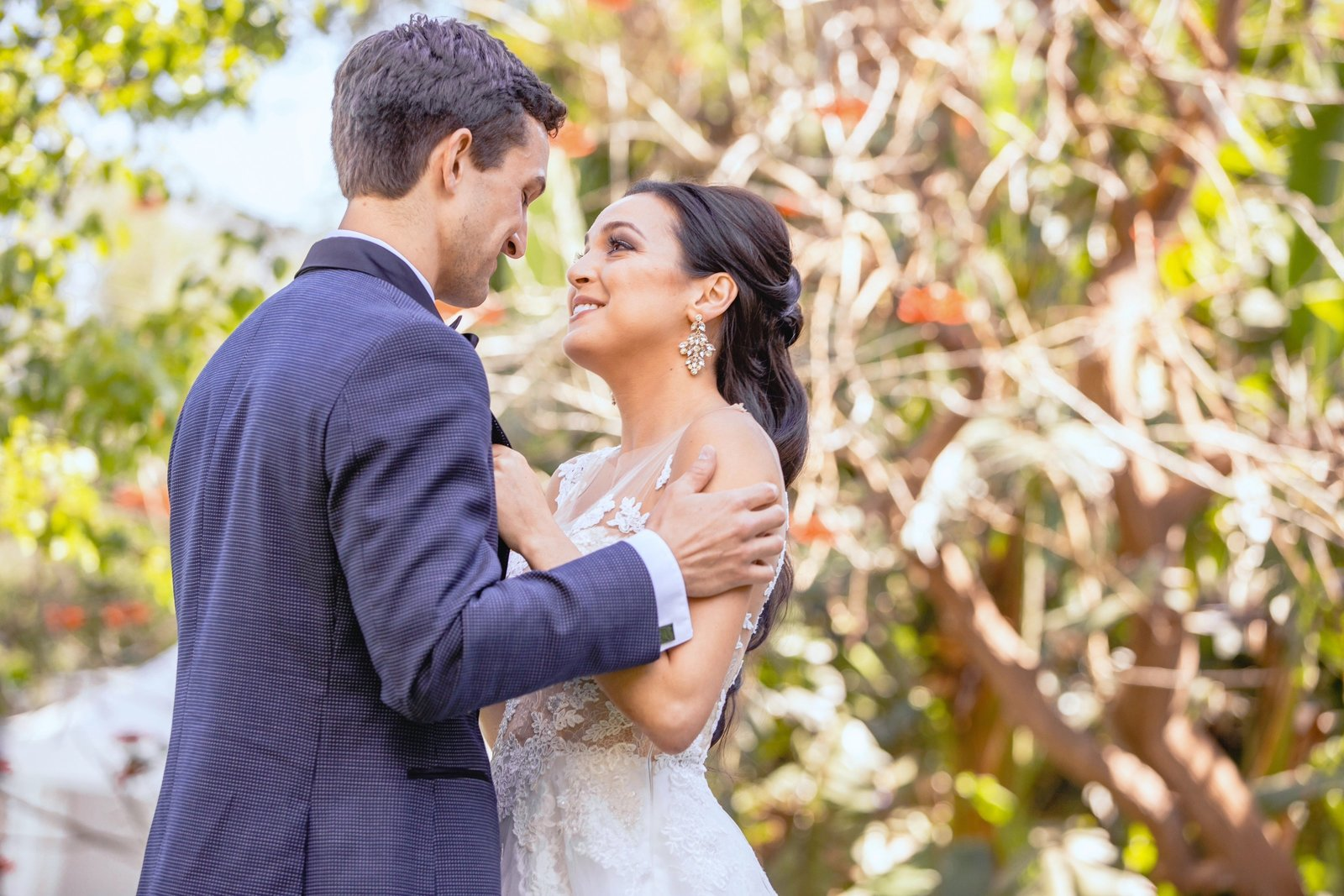 couple romantics at newhall mansion wedding venue