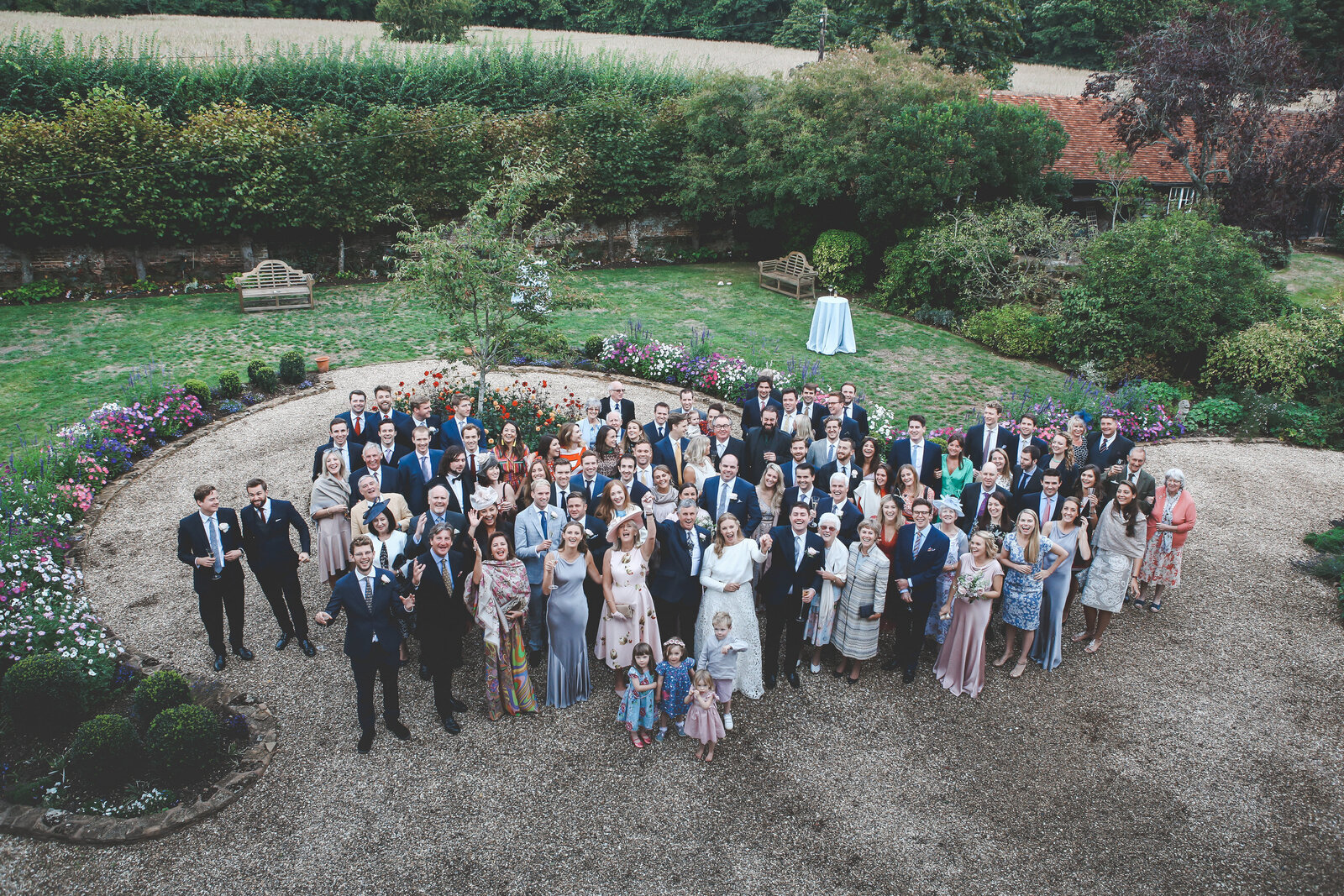 WP-GARDEN-WEDDING-BIG-GROUP-SHOT_0030