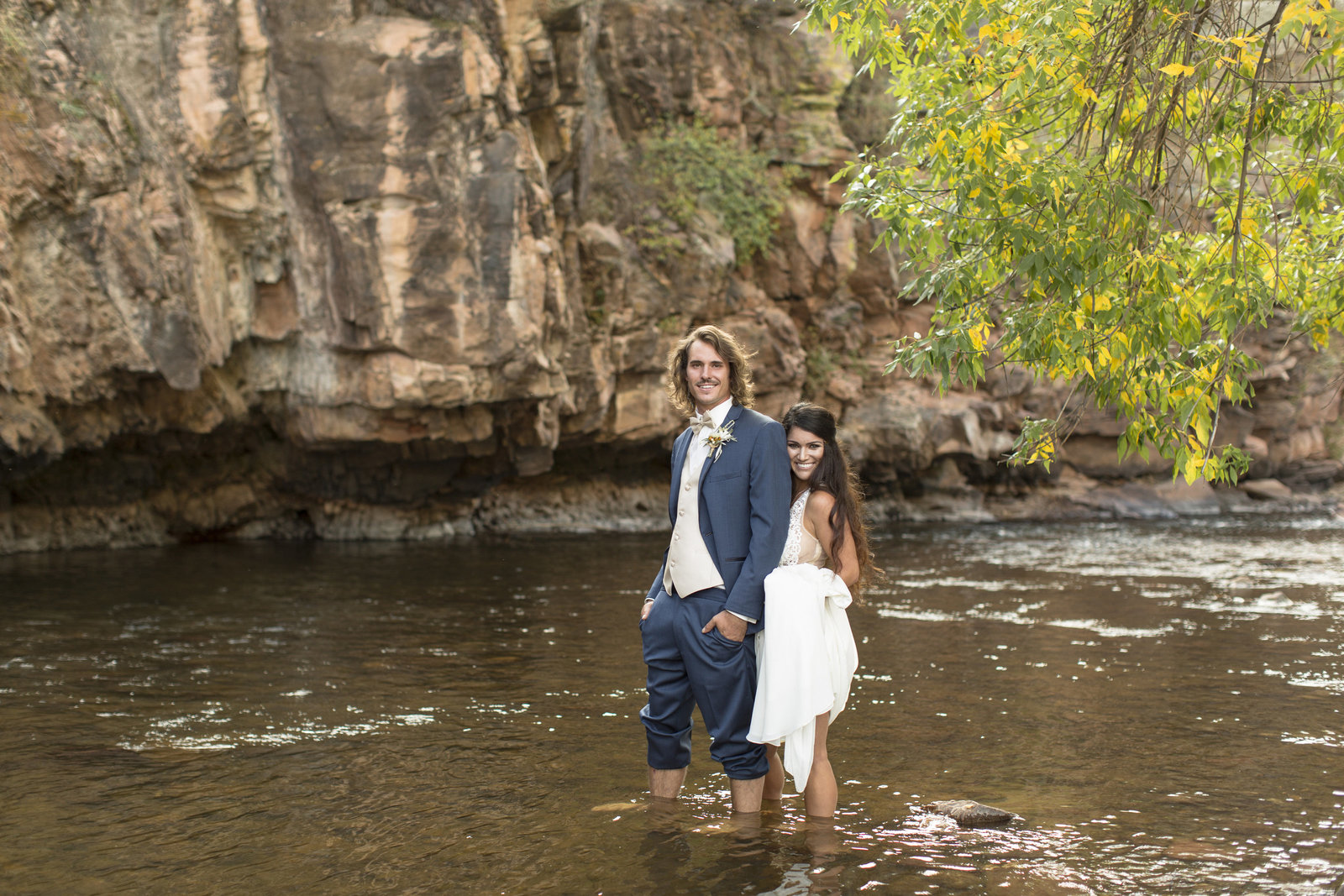 Jessi-Zach-Photography-Colorado-Mountain-Wedding-Photographers-Purple-Summer-Events-River-Bend_15