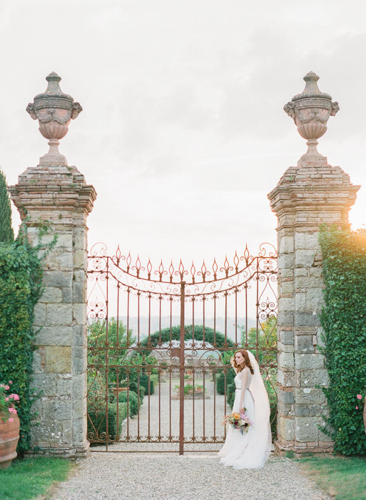 Molly-Carr-Photography-Paris-Film-Photographer-France-Wedding-Photographer-Europe-Destination-Wedding-Villa-Di-Geggiano-Siena-Tuscany-Italy-54