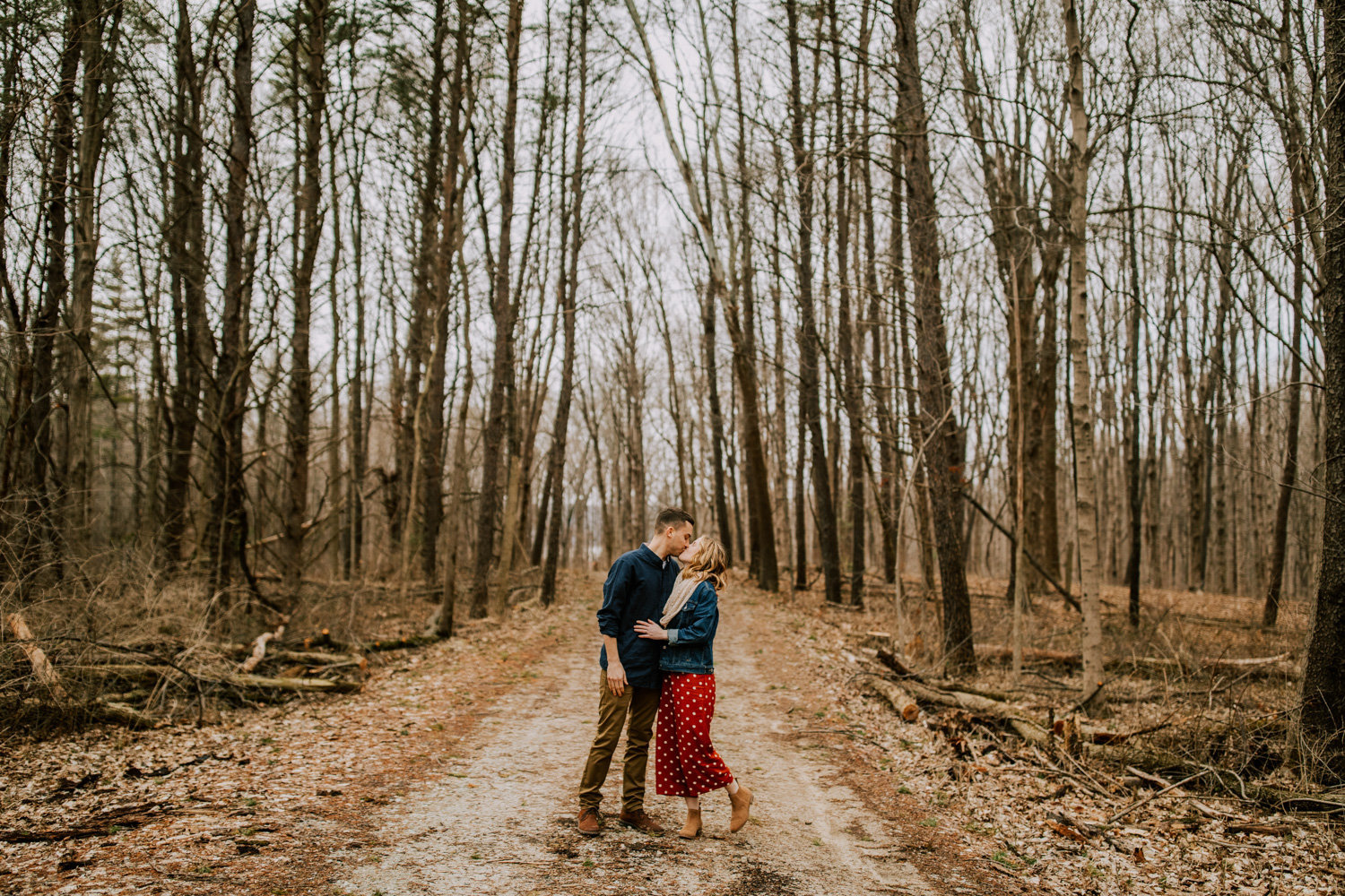 Windy-engagement-session-eagle-creek-state-park-21