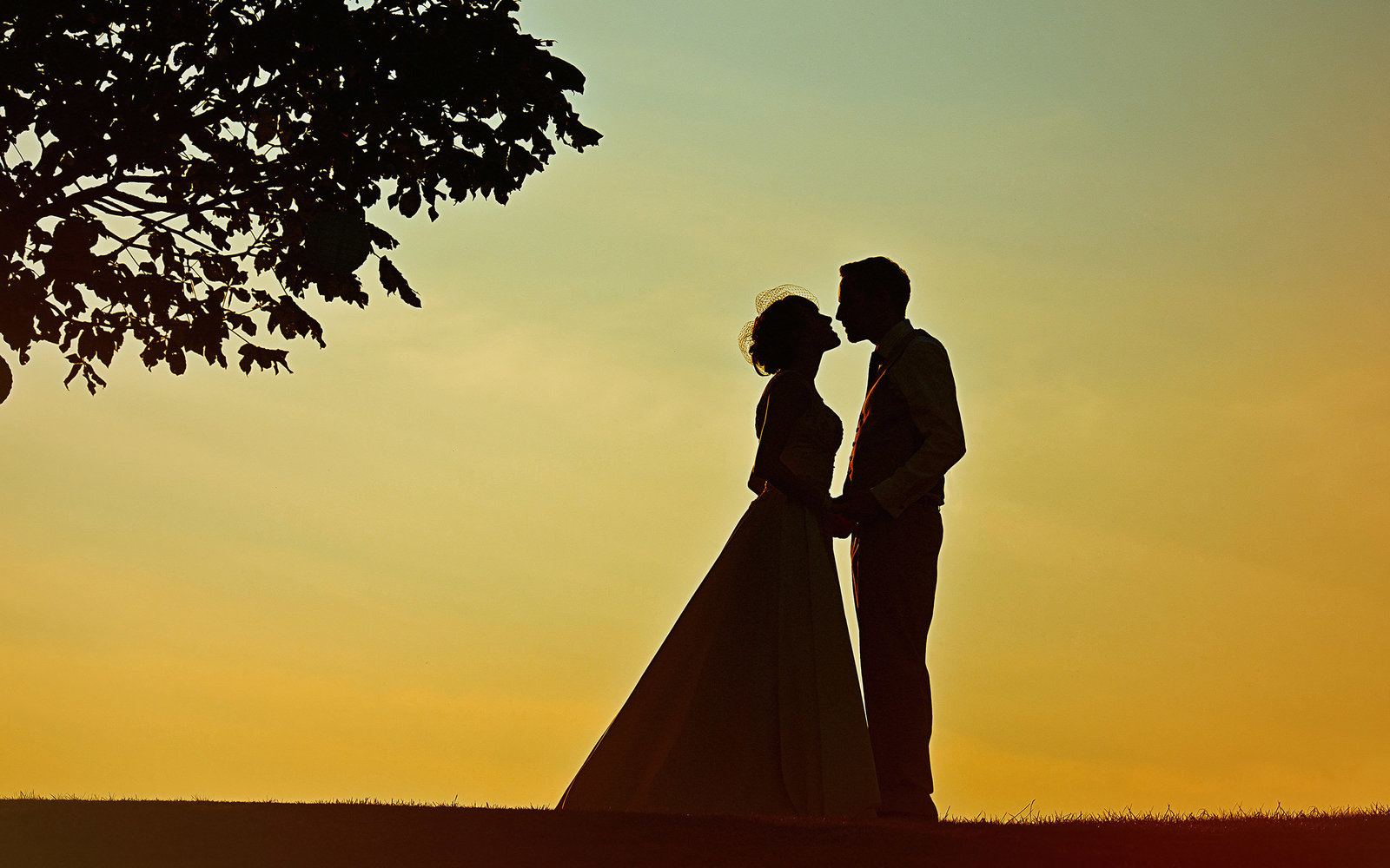 Sunset Kiss Wedding photography at Colwick Hall