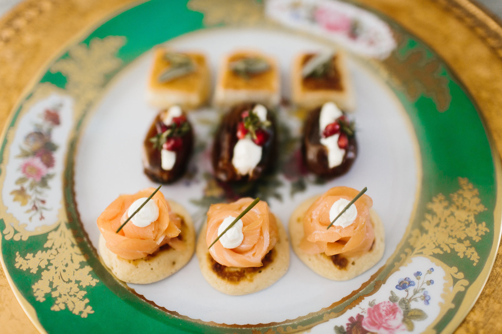 elegant party hors d' oeuvres