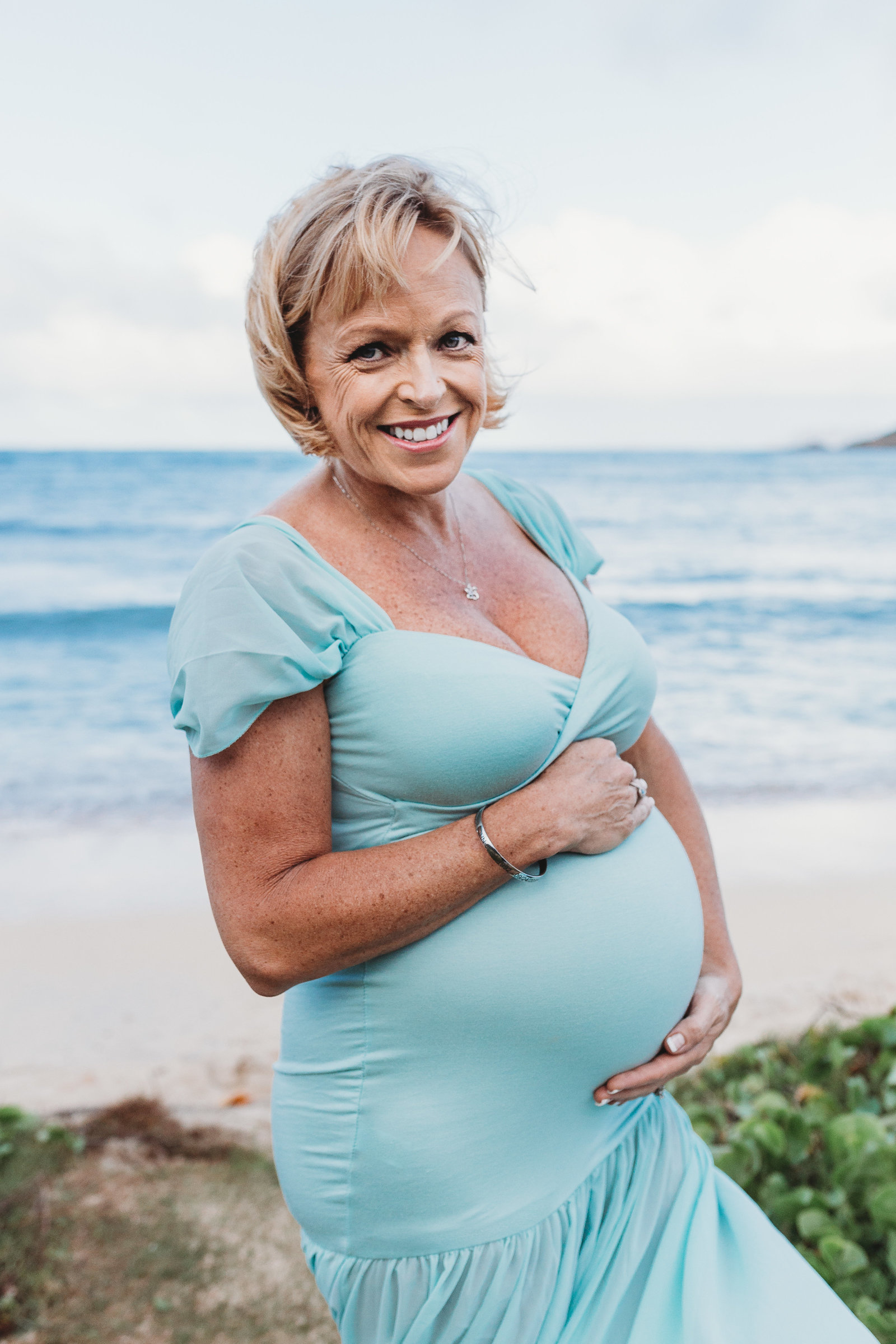 maternity Photoshoot Kualoa Beach Oahu Hawaii Brooke flanagan Photography-3
