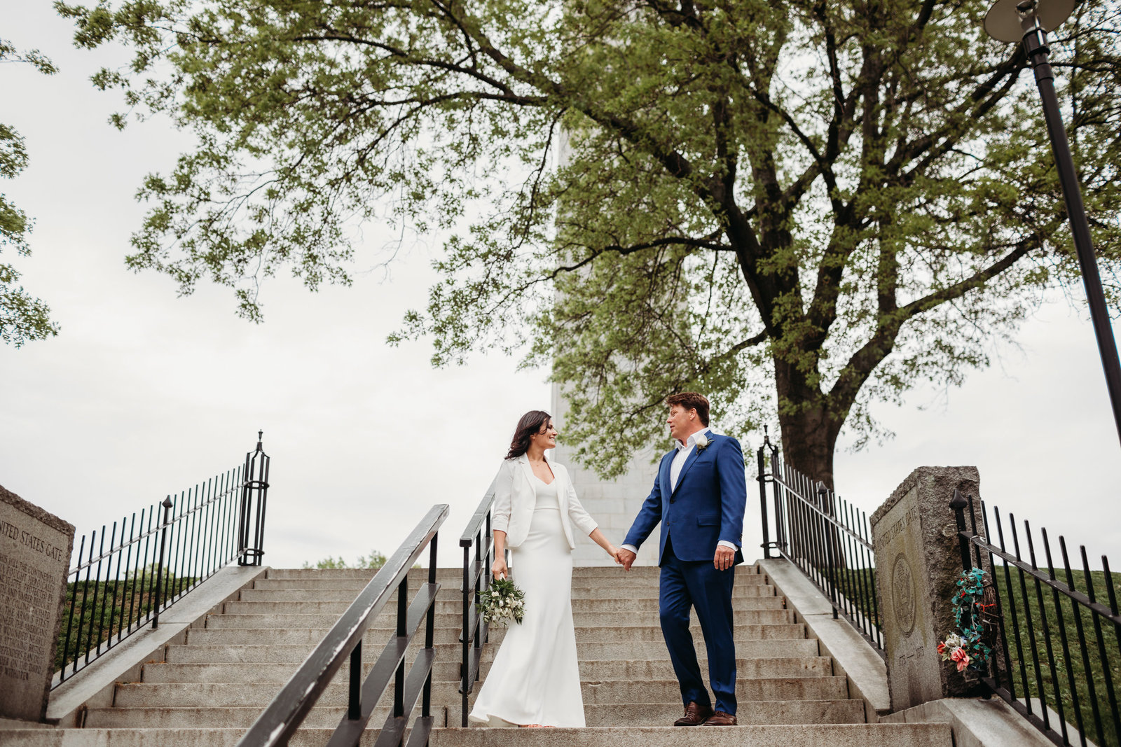 charlestown elopement couples portraits on monument steps
