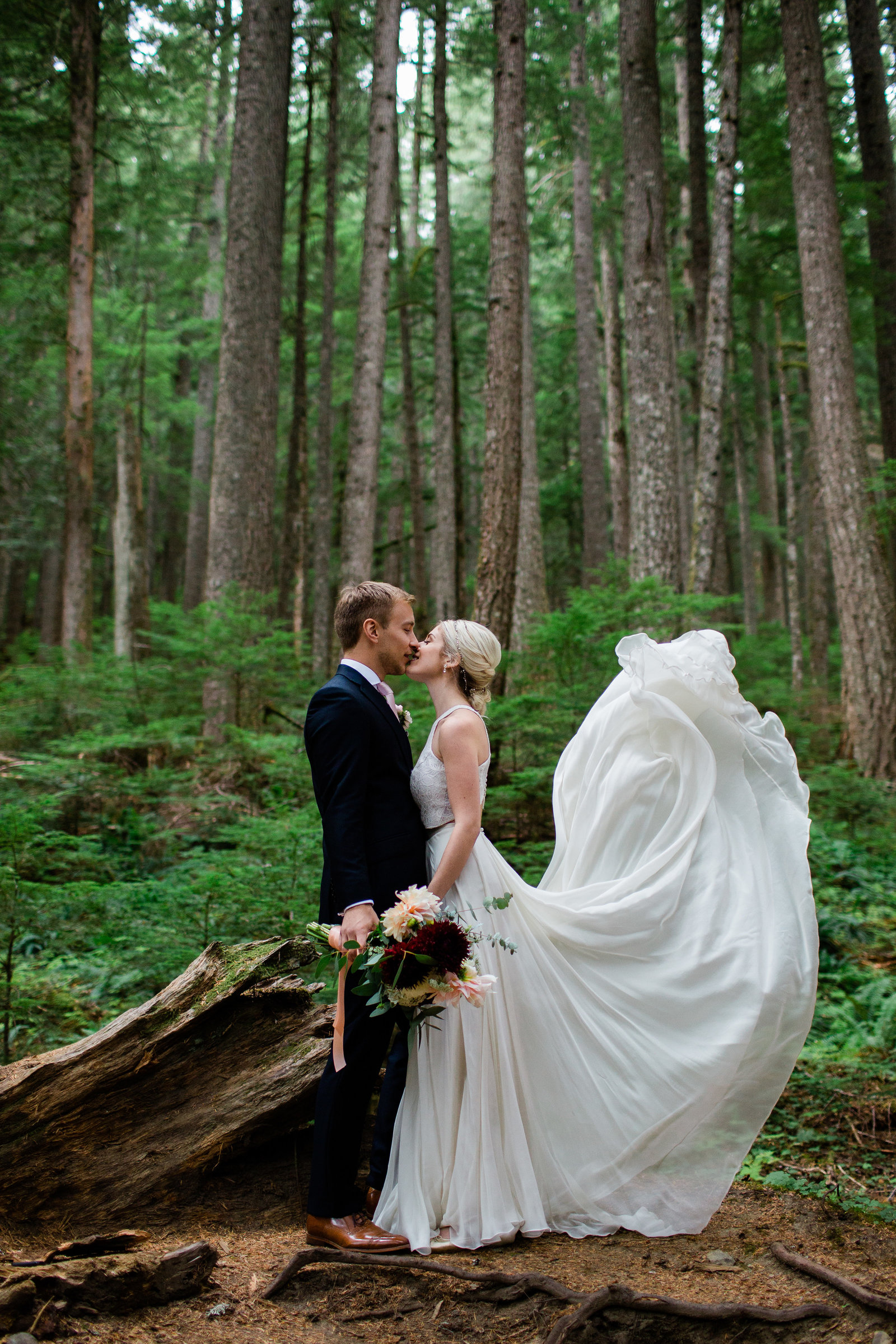 mount-rainier-national-park-elopement-cameron-zegers-photographer-seattle-114