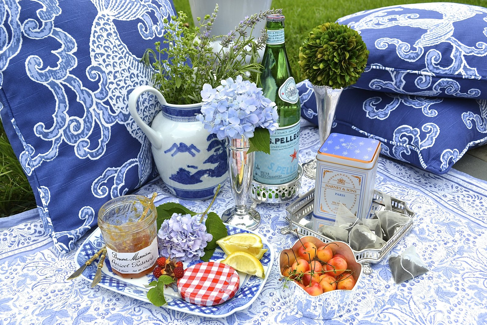 chic blue and white summer picnic 2
