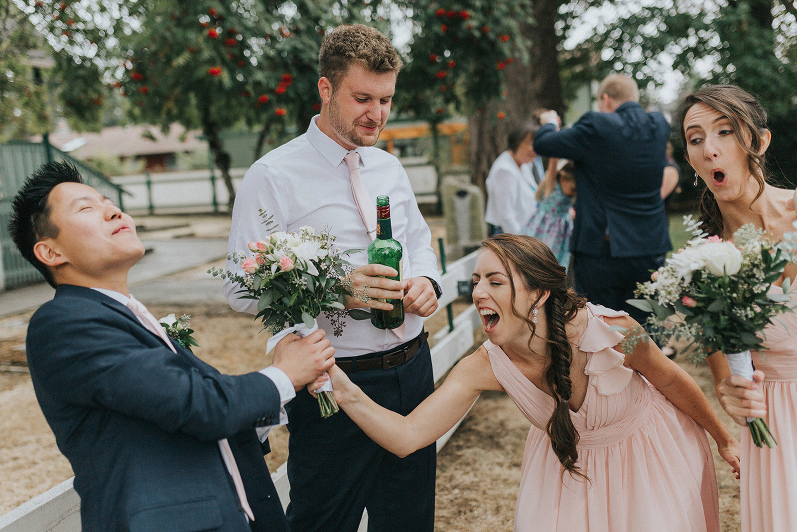 funny-bridal-party-moment-photography-victoria