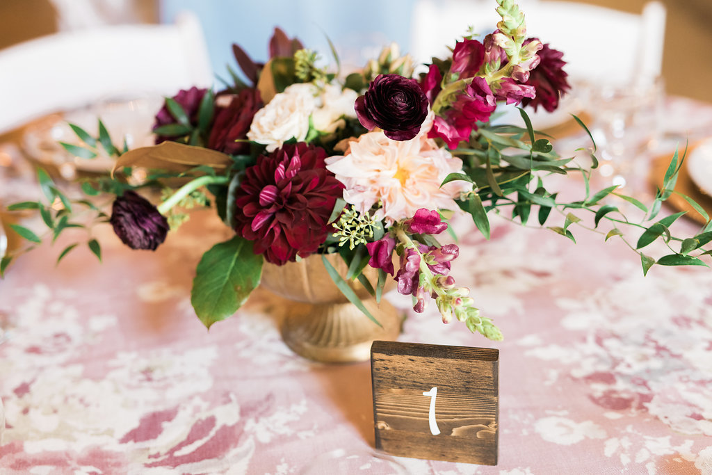 rustic-wedding-design-milwaukee-florist-rustic-manor