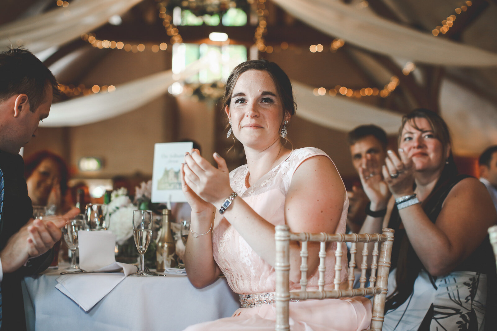 LAINS-BARN-WEDDING-PHOTOGRAPHER-FUN-REALXED-0053