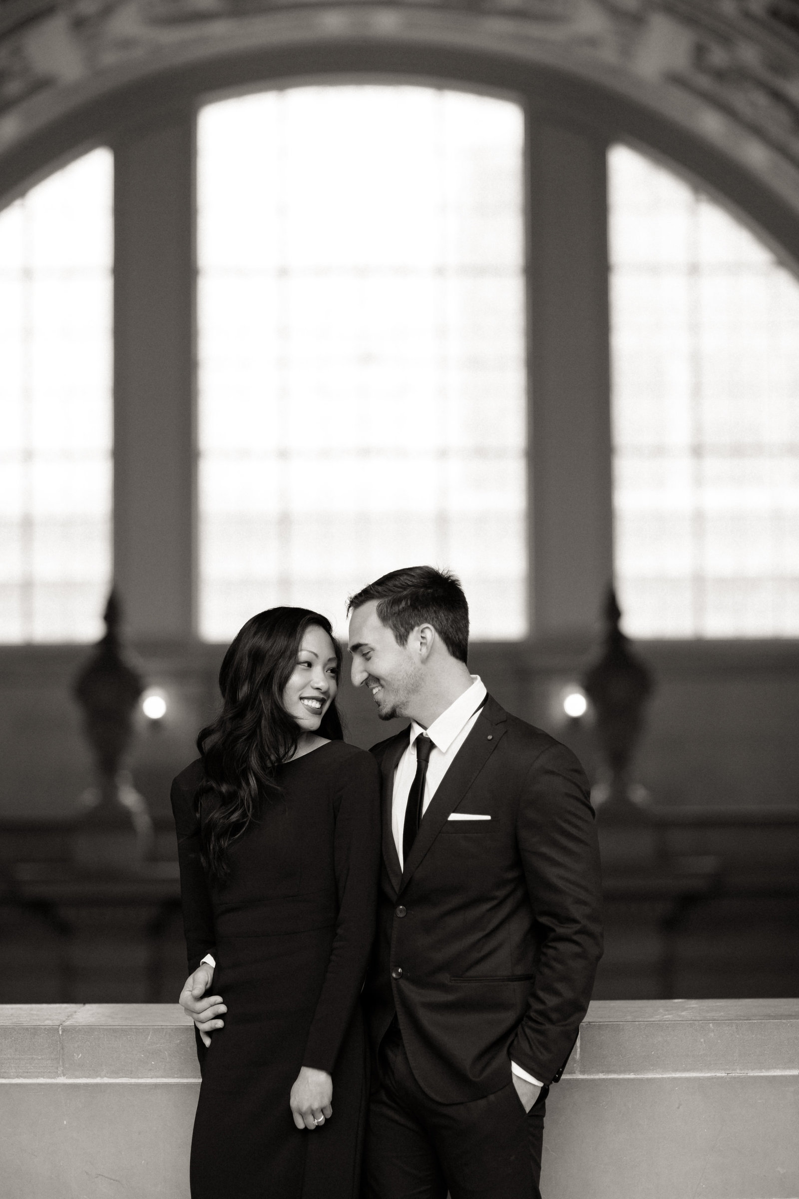01_San_Francisco_City_Hall_Engagement_Portraits_016